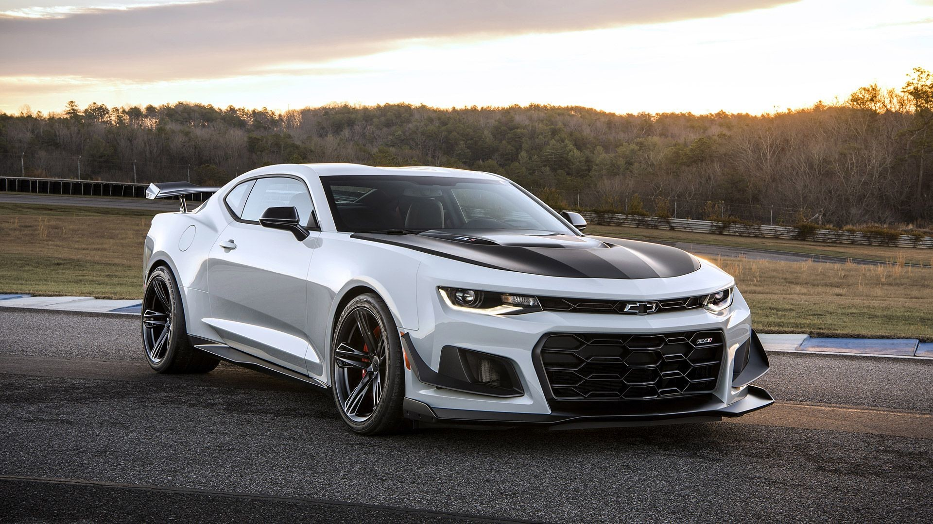 "1920x1080  2018 Chevrolet Camaro ZL1 1LE Wallpapers & HD Images -  WSupercars"">"
