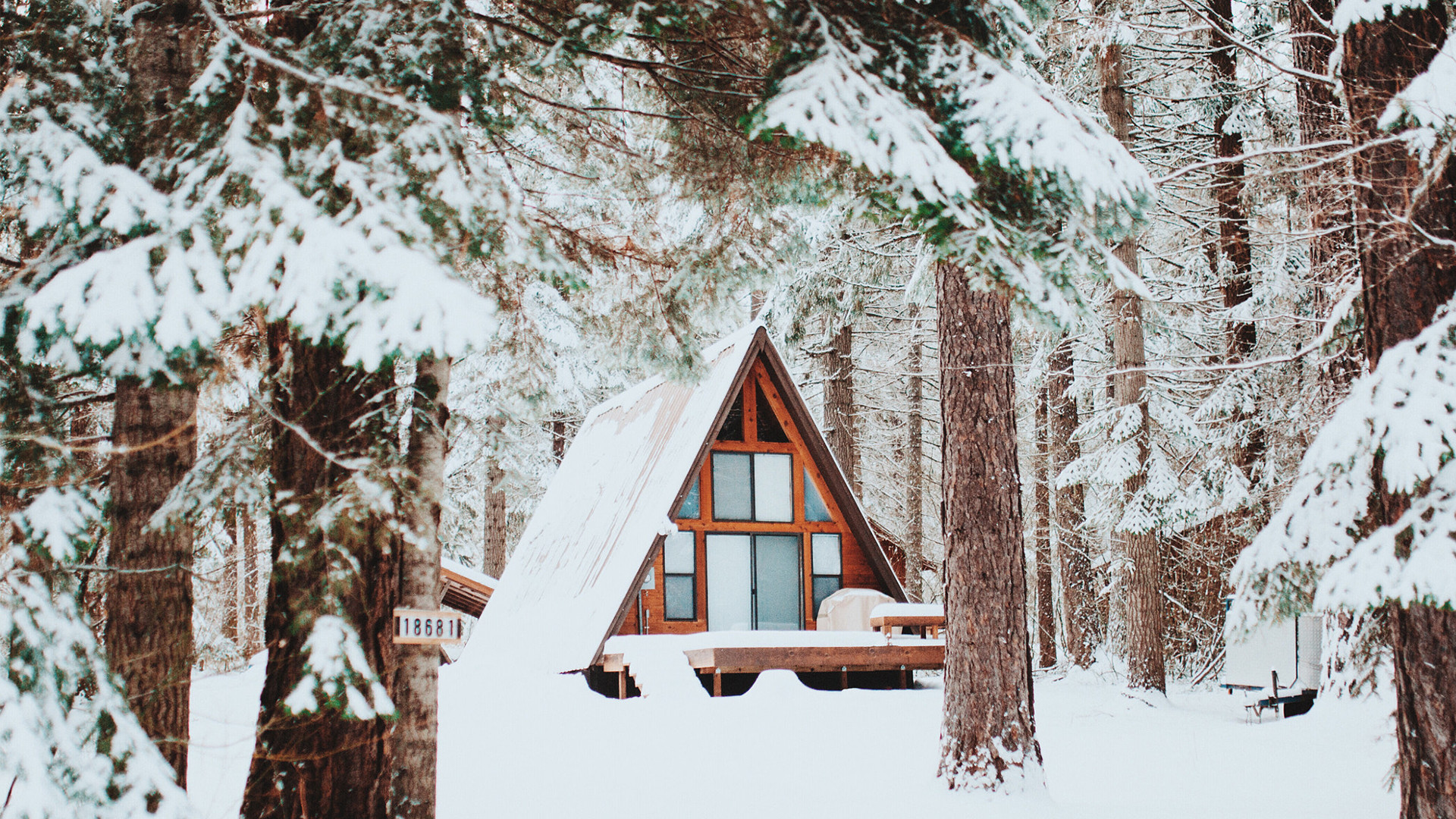 1920x1080 19 cozy winter cabins that make the cold enjoyable