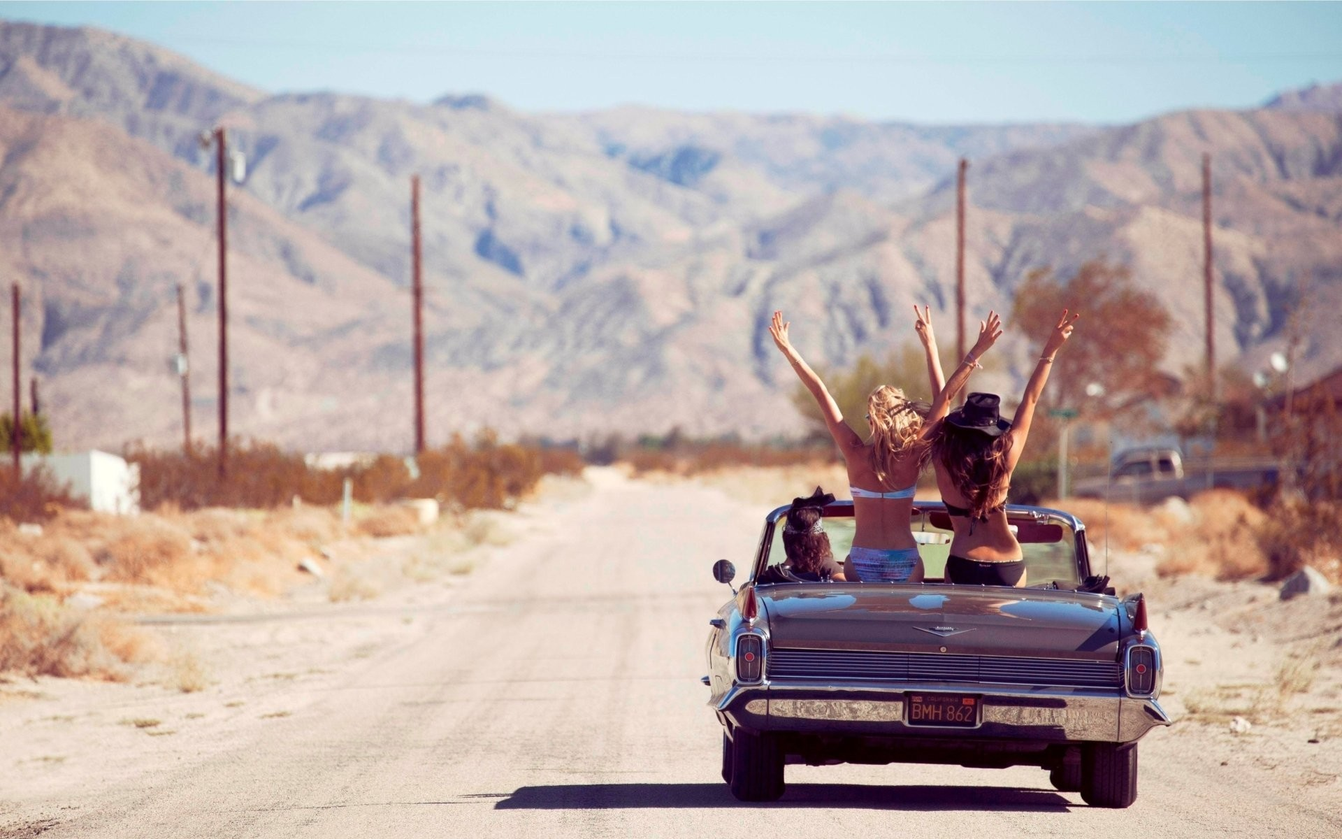 1920x1200 girls karasotki convertible road mountain