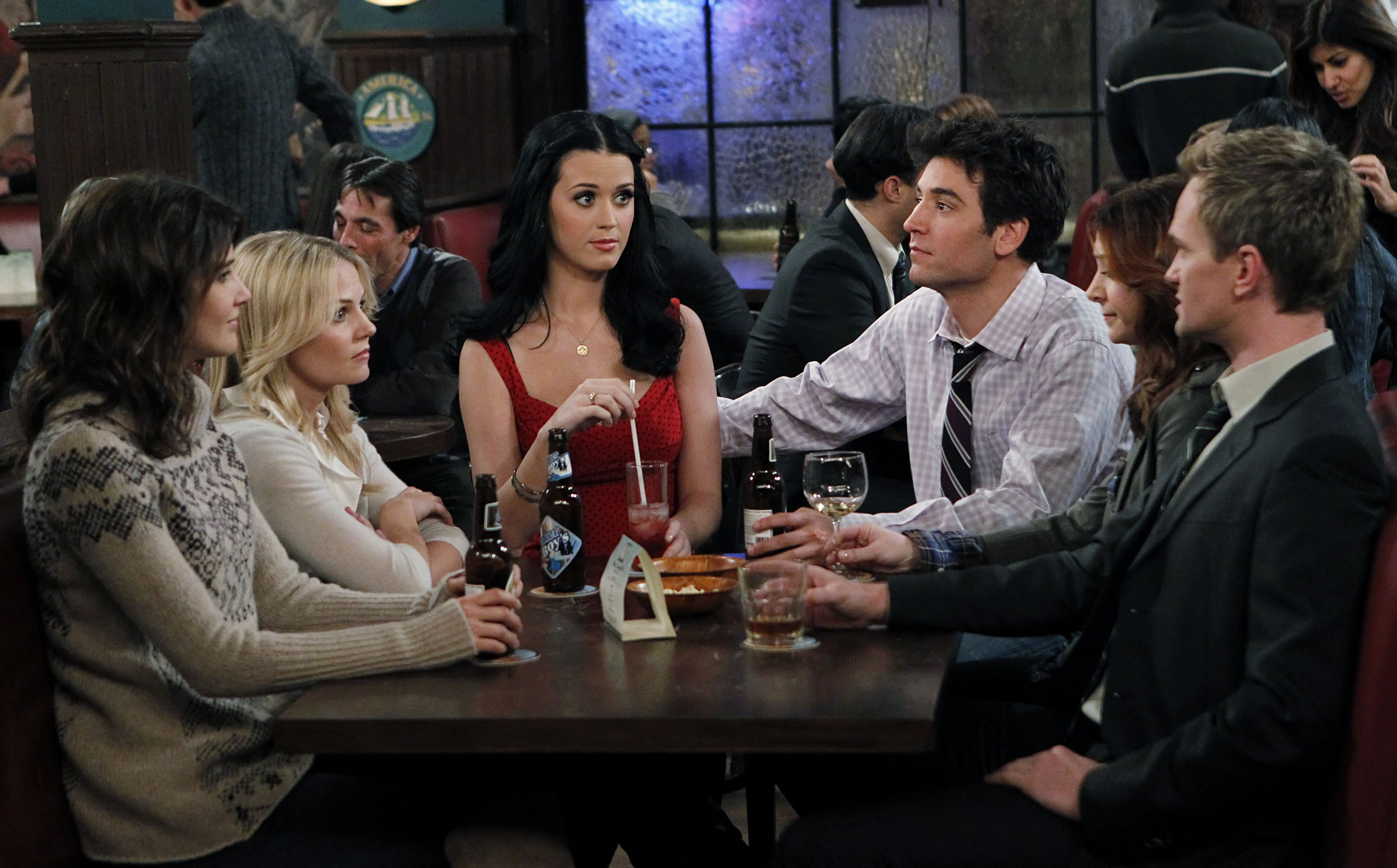 2560x1591 What drinks are served at MacLaren's Pub in How I Met Your Mother?