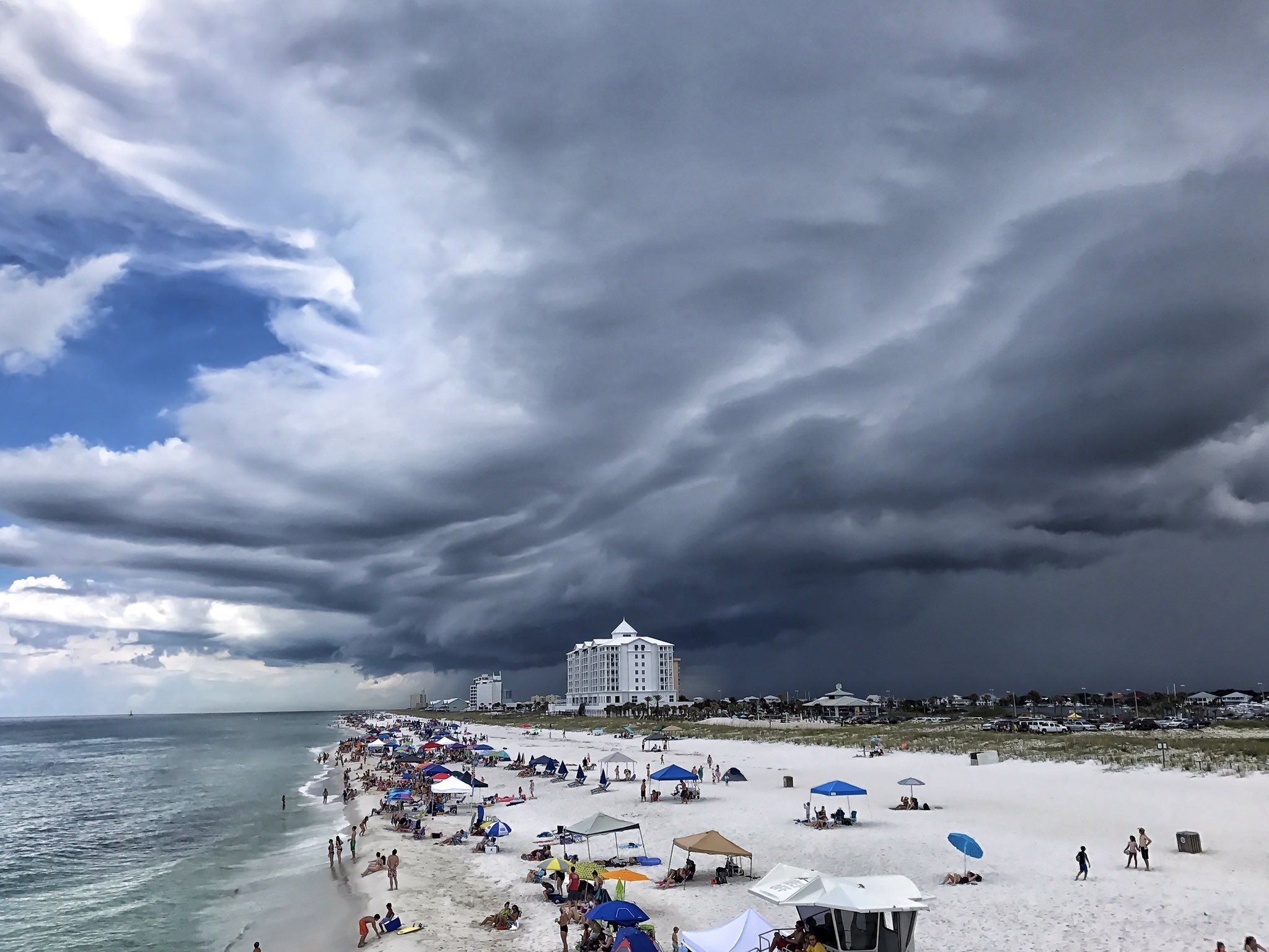 2048x1536 Storm this afternoon at Pensacola Beach... from @oumomof5