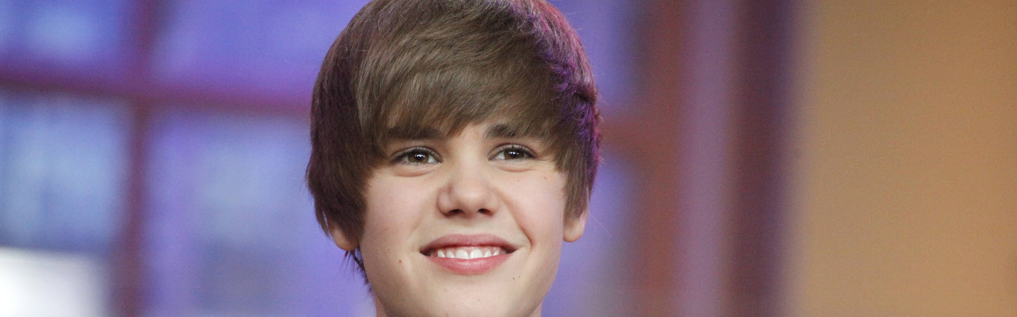 3840x1200  Wallpaper justin bieber, shirt, smile, boy, singer