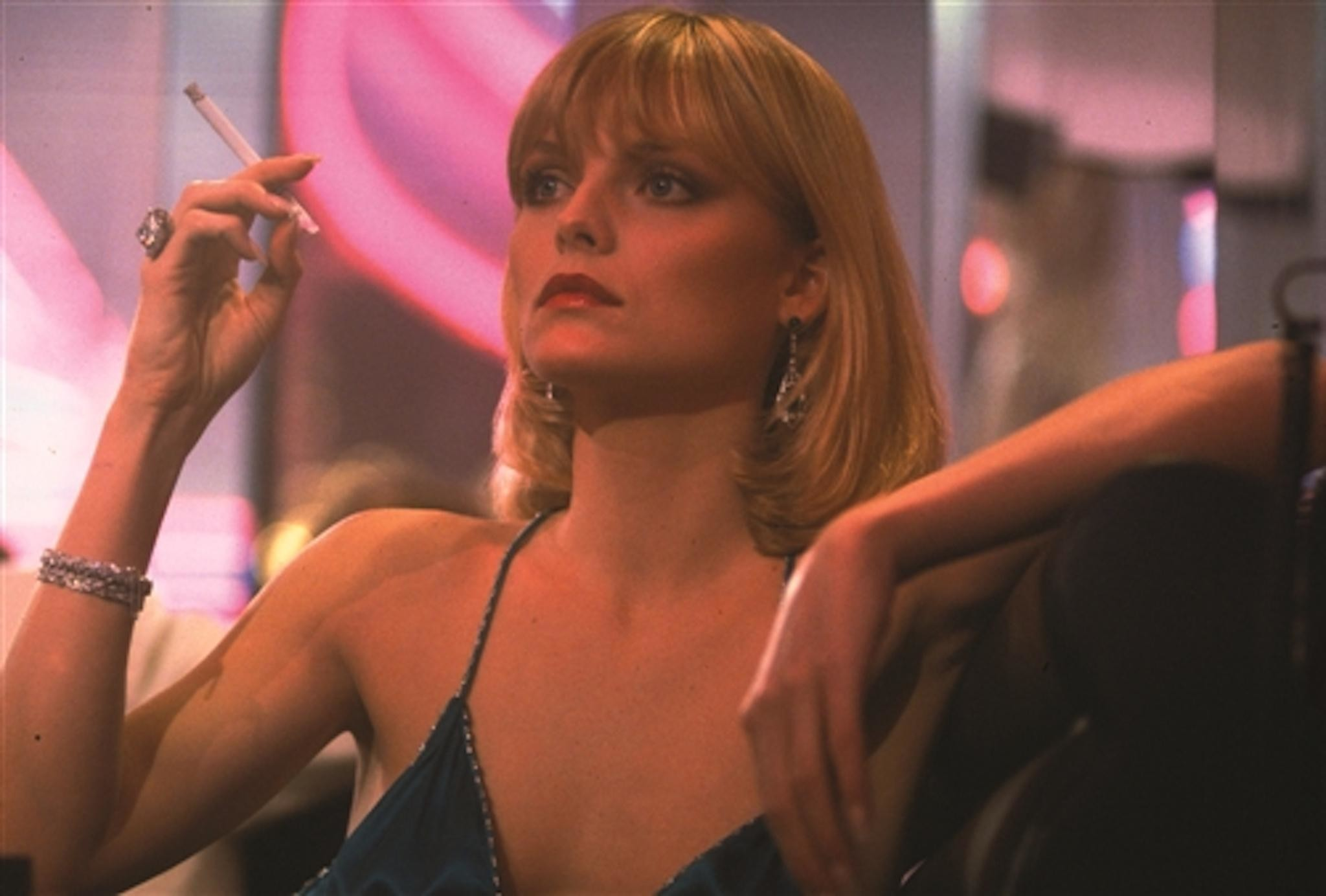 2048x1384 Michelle Pfeiffer Scarface Hd Images 3 HD Wallpapers