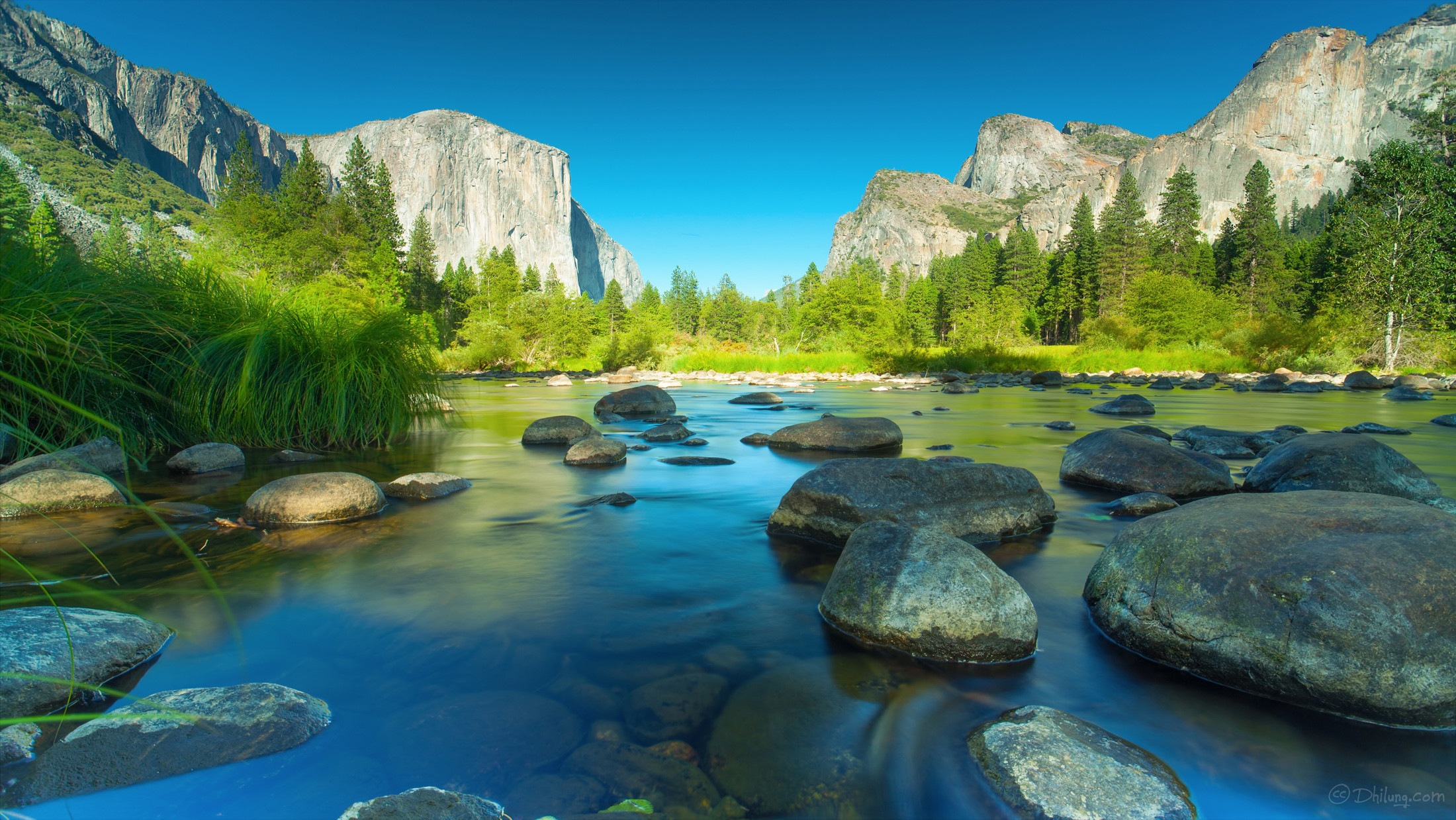 2200x1238 mac-os-yosemite-wallpapers