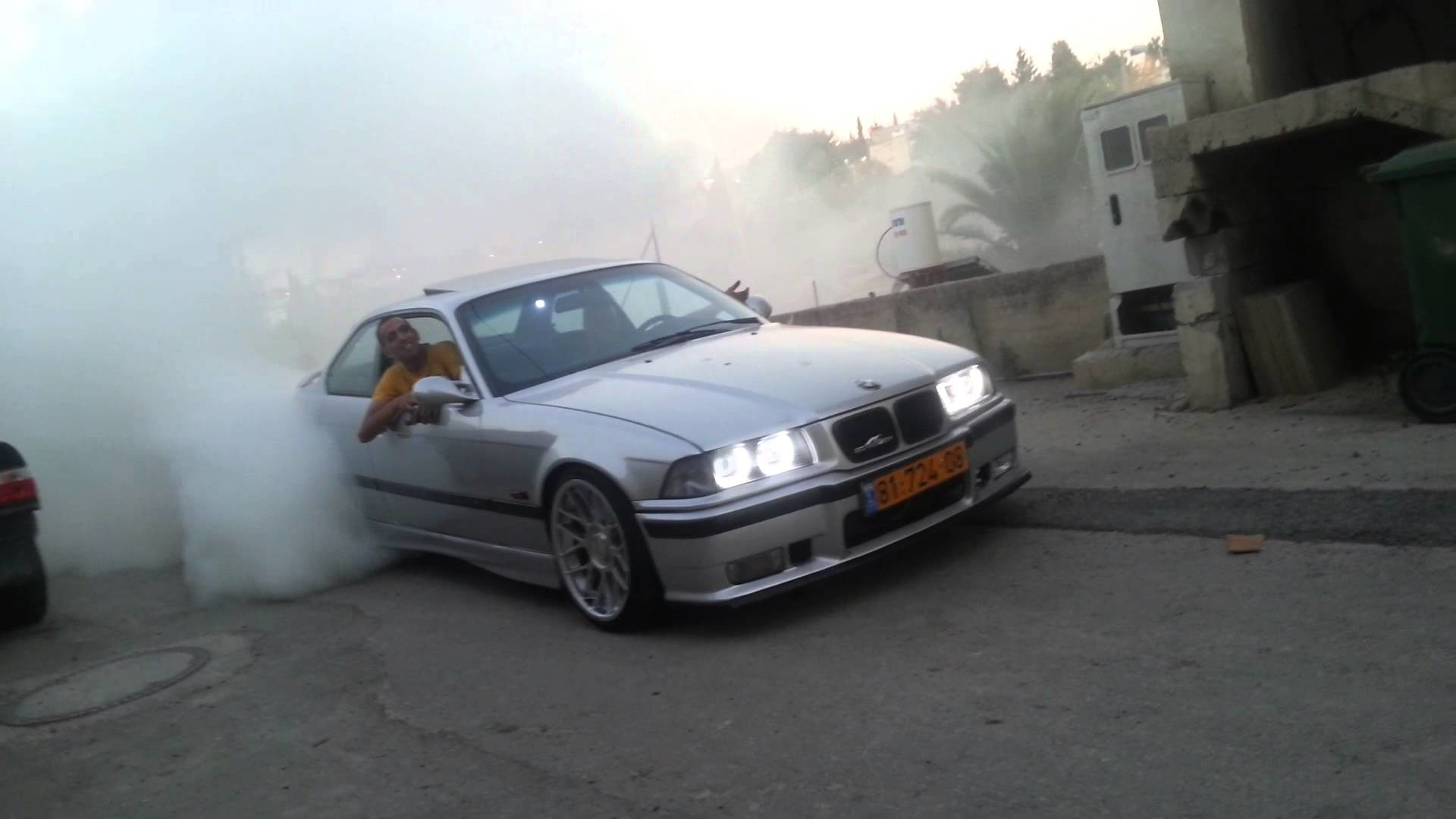 1920x1080 bmw m3 e36 burnout