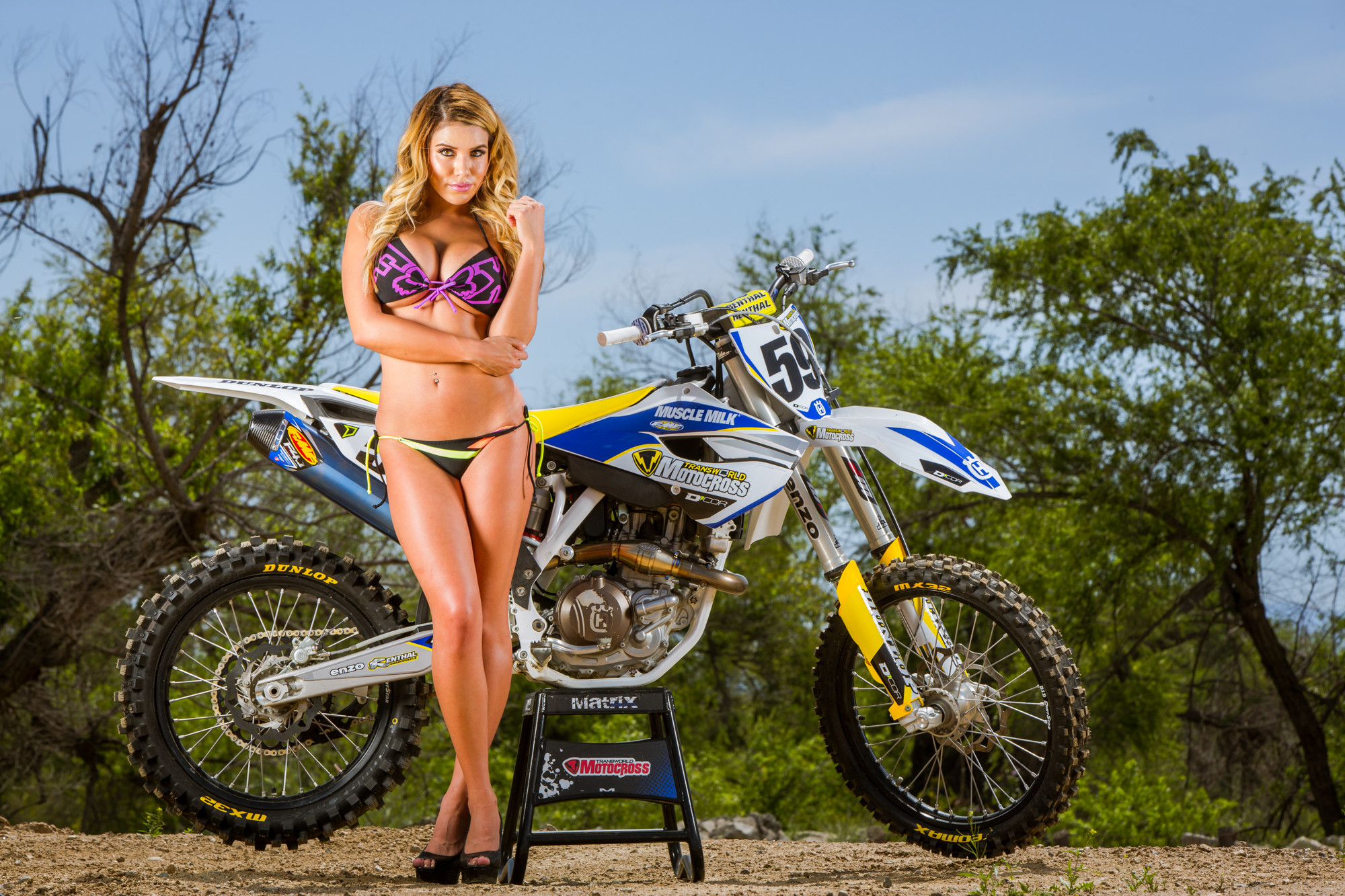 girls naked on dirt motorbikes