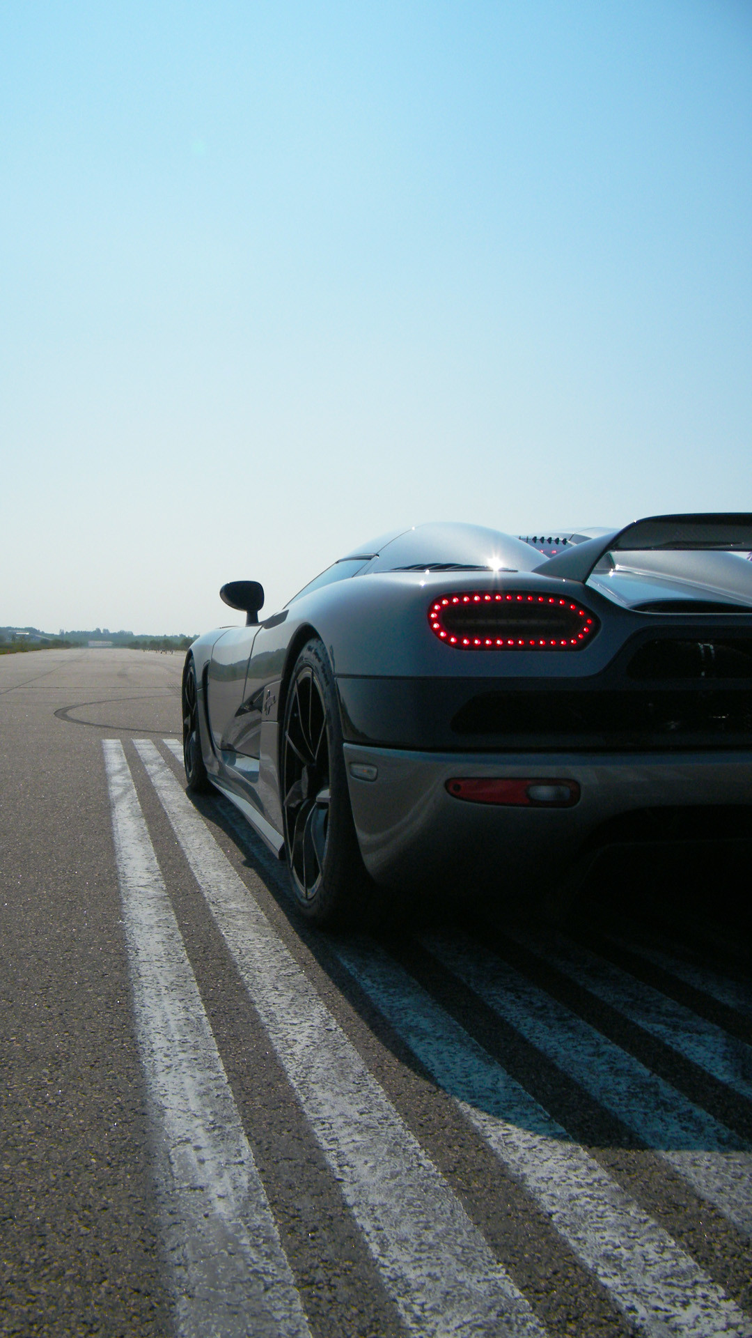 1080x1920 Black Koenigsegg Agera R - Best htc one wallpapers