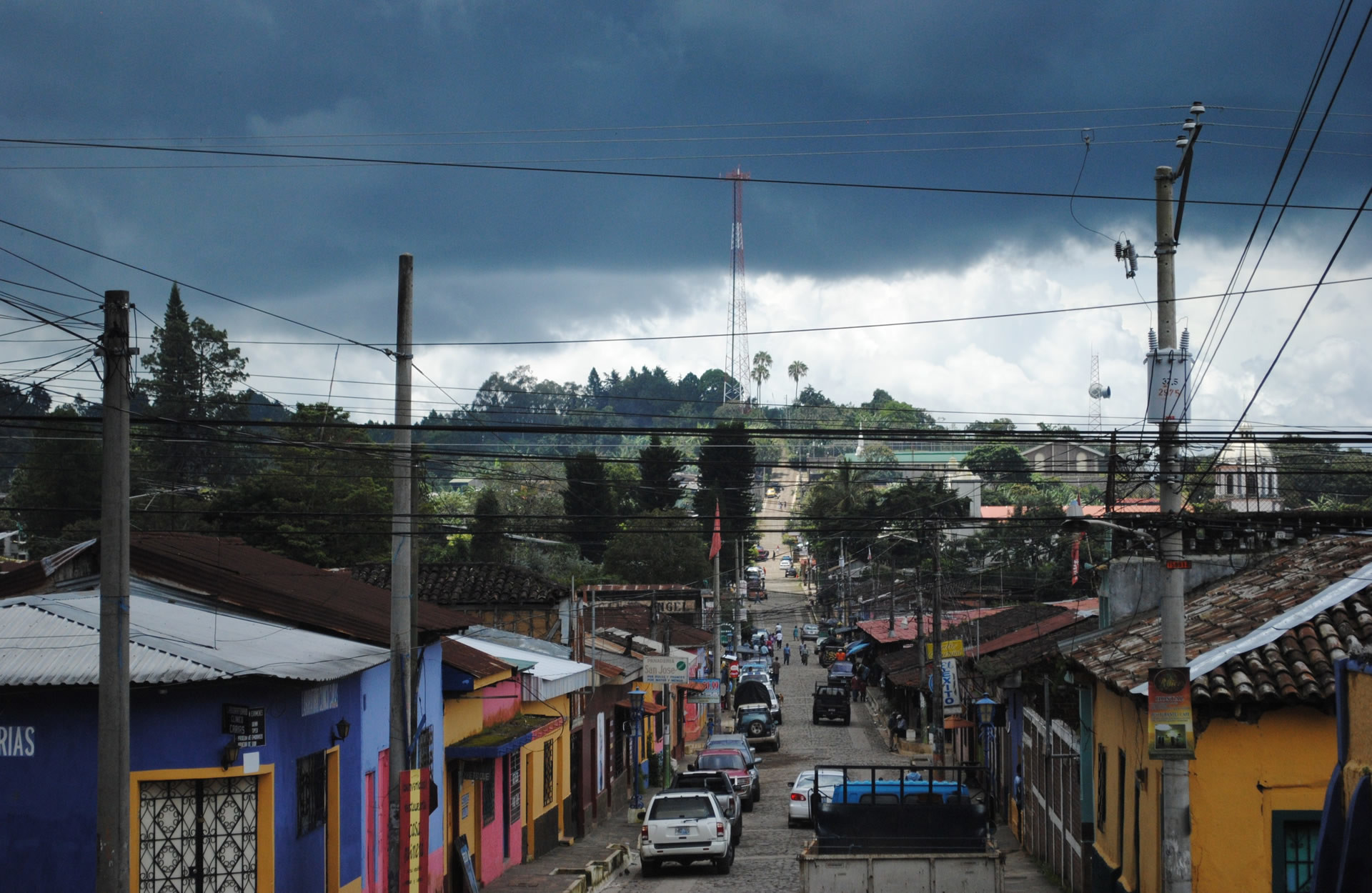 1920x1250 el salvador road and houses