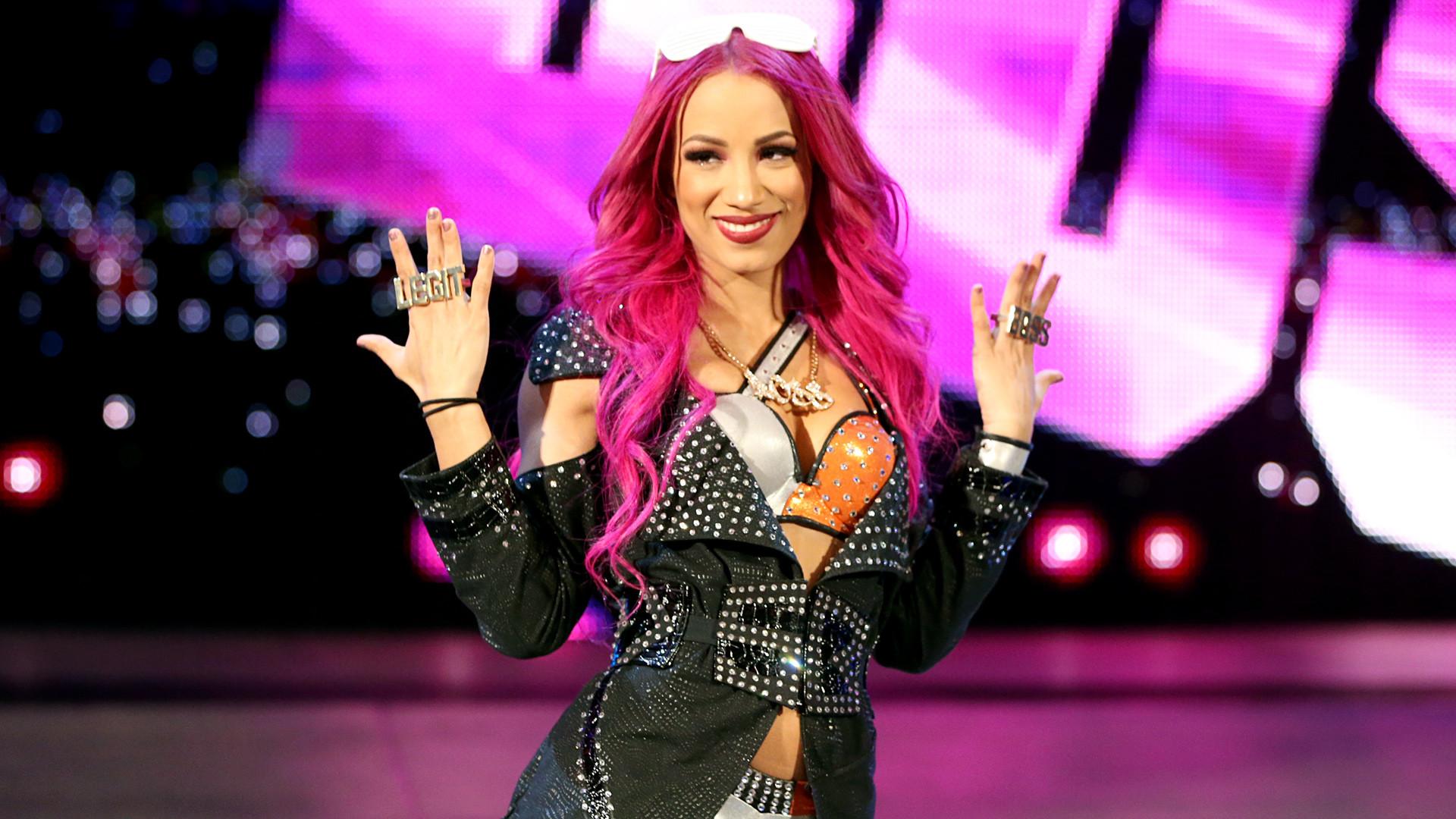 WWE DIVAS: Layla EI