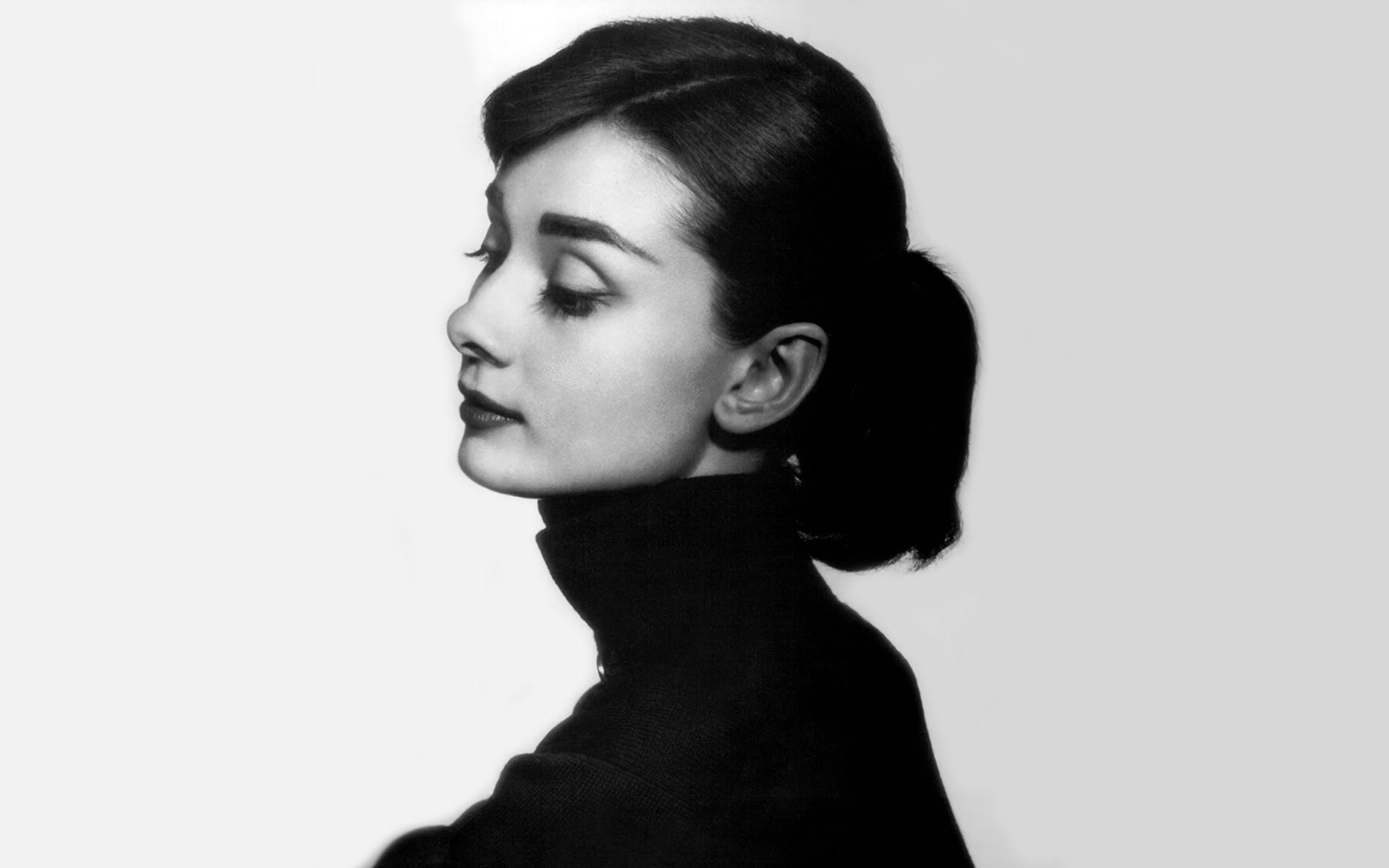 Audrey Hepburn Background (64+ images)