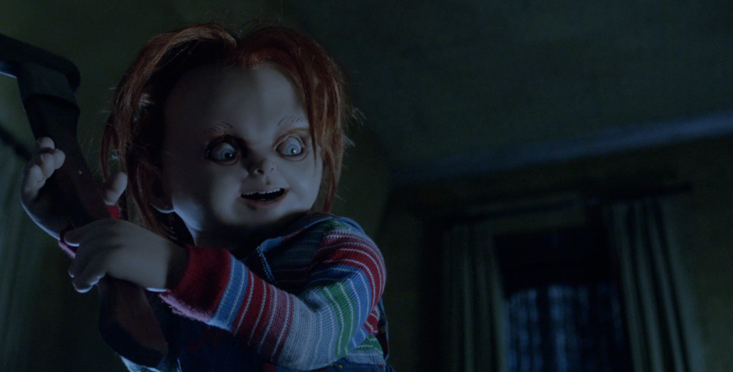 2551x1297 2-curse-of-chucky-red-band