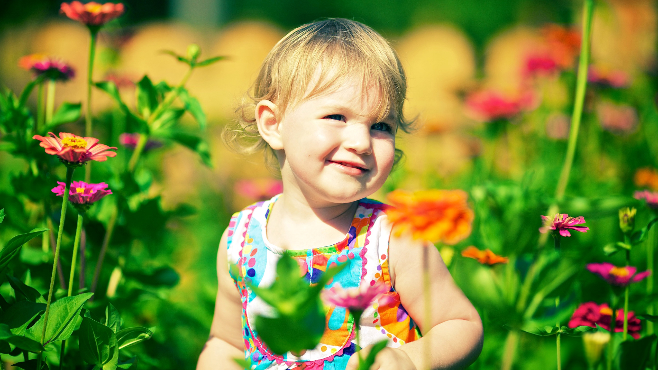2560x1440 Cute child HD wallpapers for desktop free download