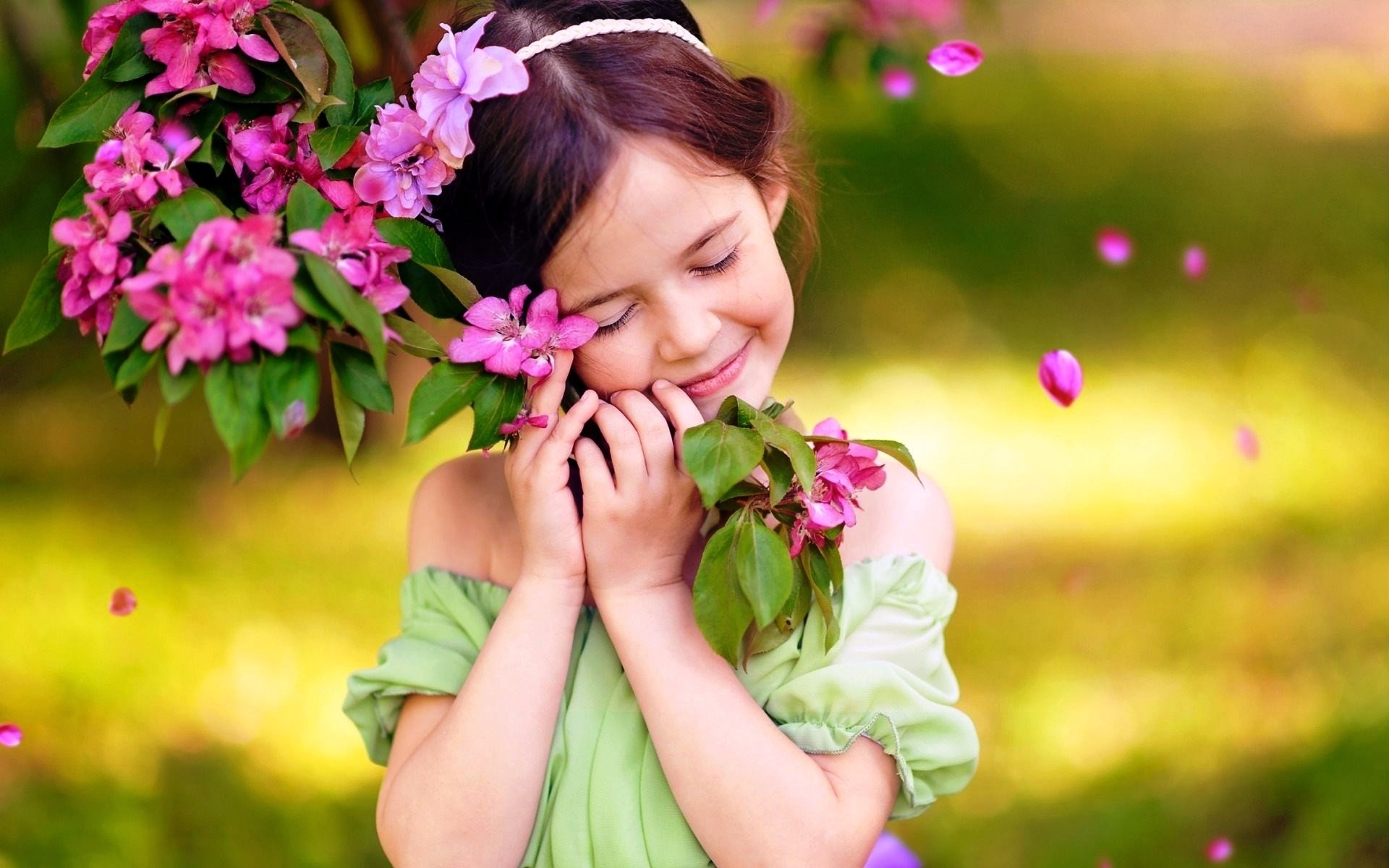 1920x1200 Source · Innocent flowers love of cute baby girl wallpapers HD Wallpapers
