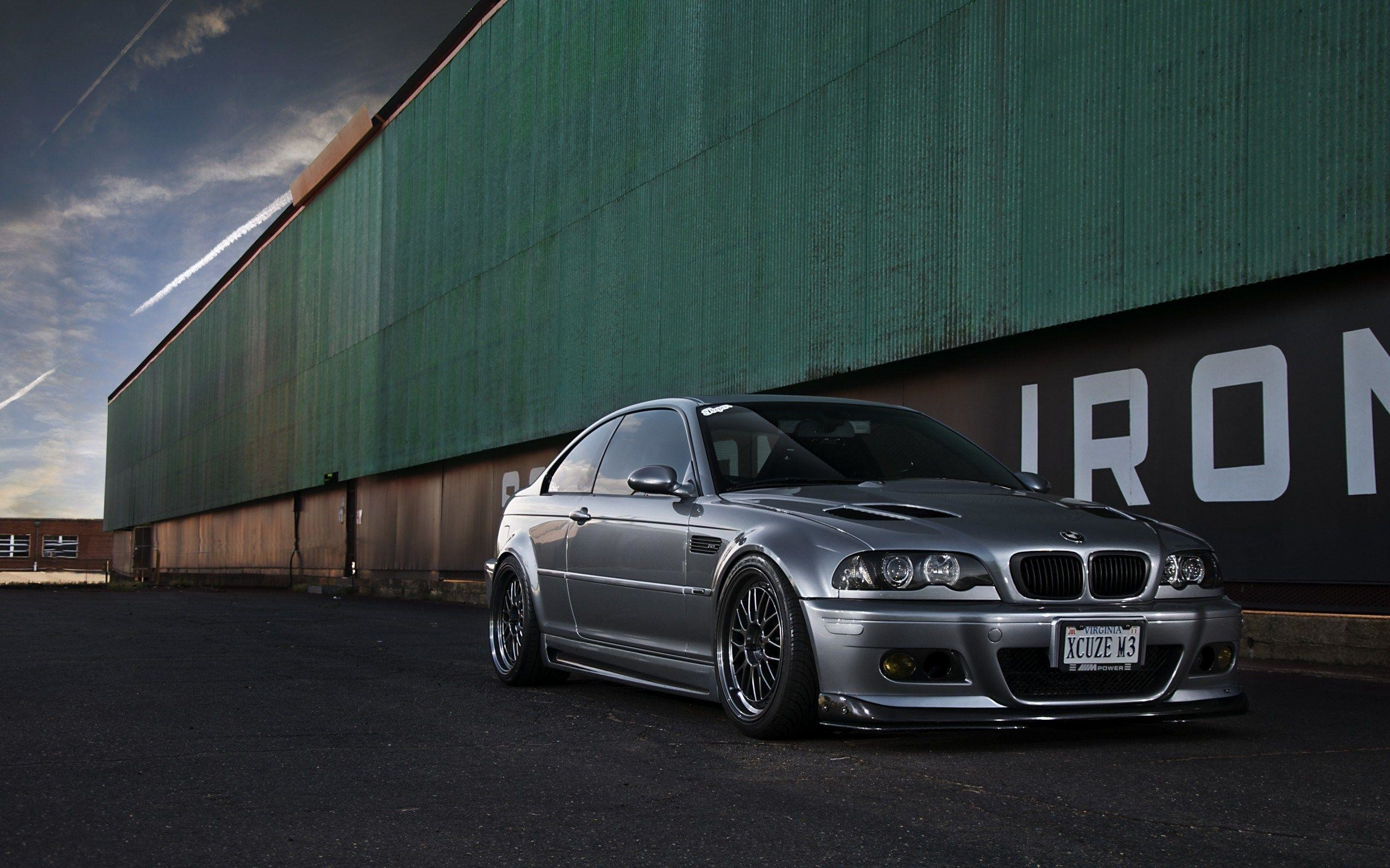 2560x1600 Silver BMW M3 E46 Buildings Warehouse HD Wallpaper - ZoomWalls