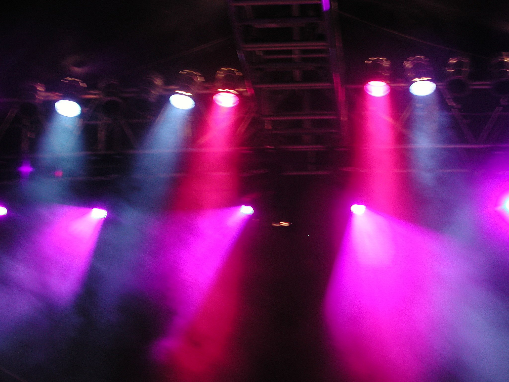 2048x1536 Concert Lights Wallpaper Stage Lighting By Publicarte