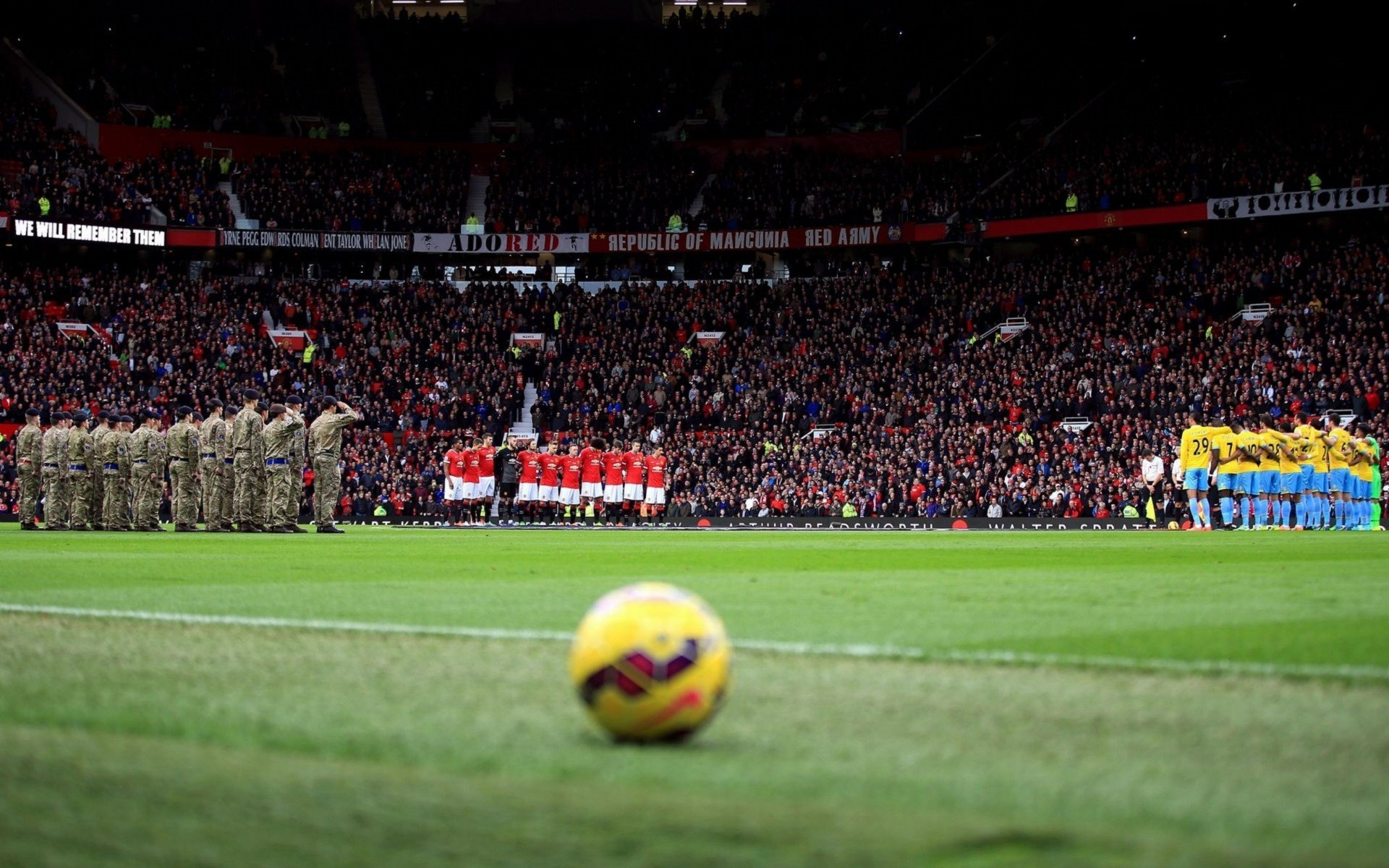 1920x1200 soccer, Soccer Clubs, Manchester United, Soldier, Stadium, Ball,  Footballers,
