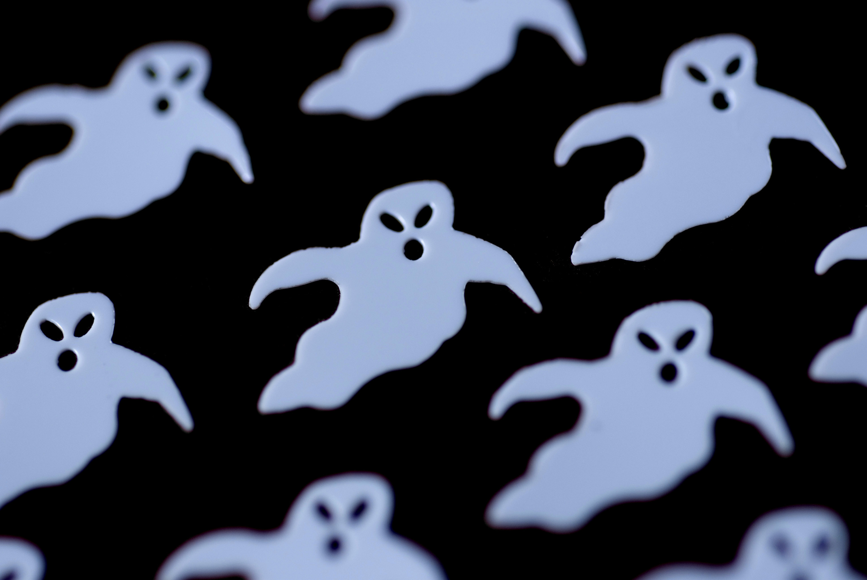 3000x2008 and array of white ghost outline shapes
