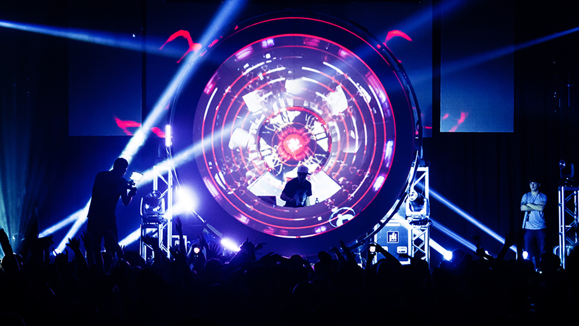 1920x1080 Datsik certainly suffered in popularity once the Dubstep wave ended, but  his stage setup was one of the most memorable things I saw from that time.