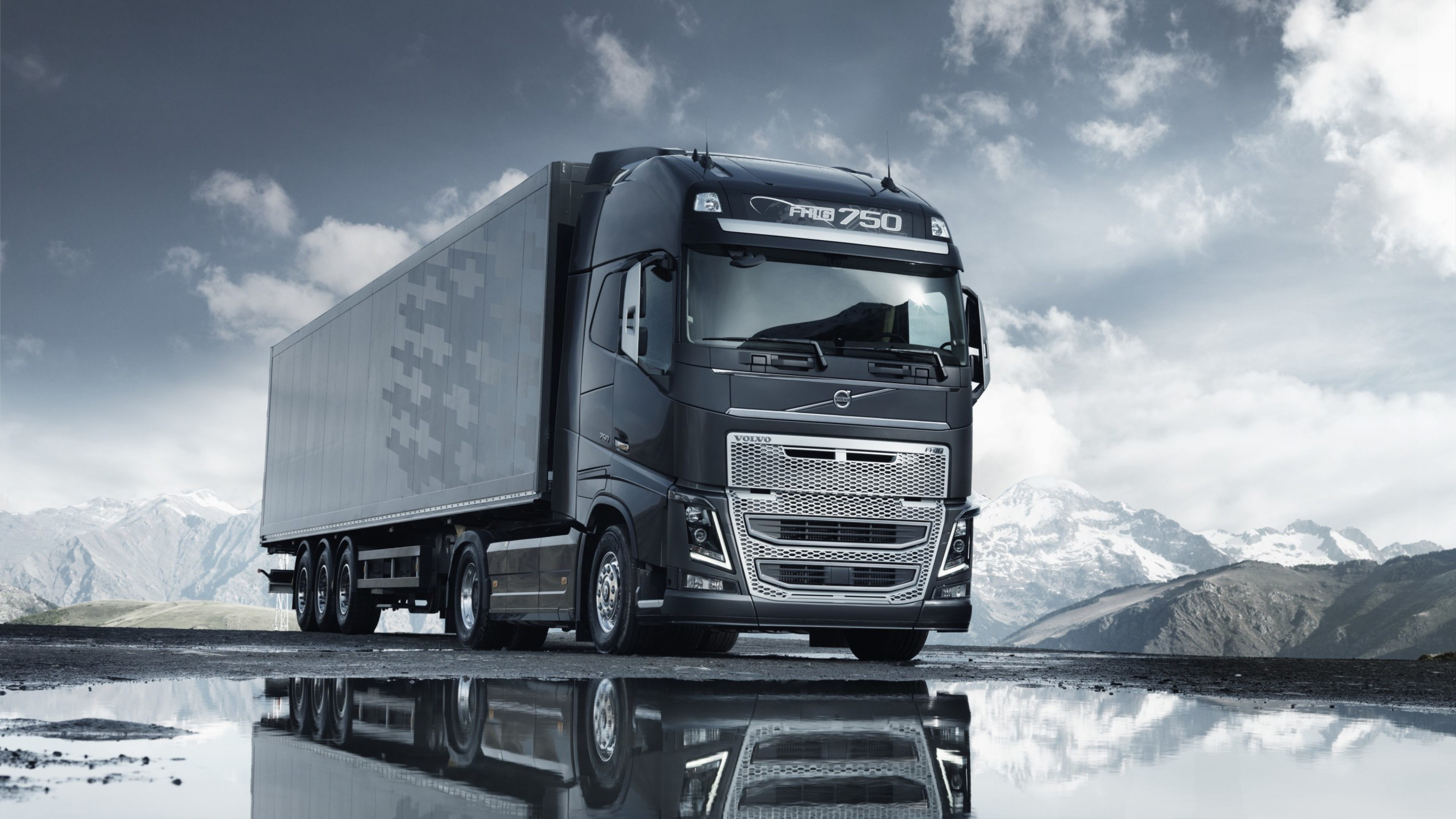 3840x2160 Volvo Semi Truck Wallpaper