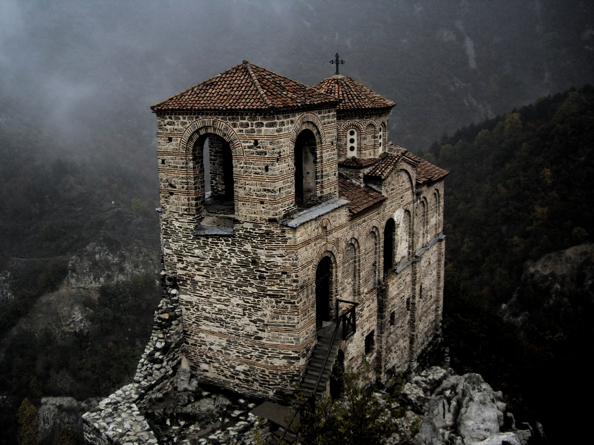 2048x1536 Religious - Church of the Holy Mother of God, Asen's Fortress Fortress  Castle Dark Wallpaper