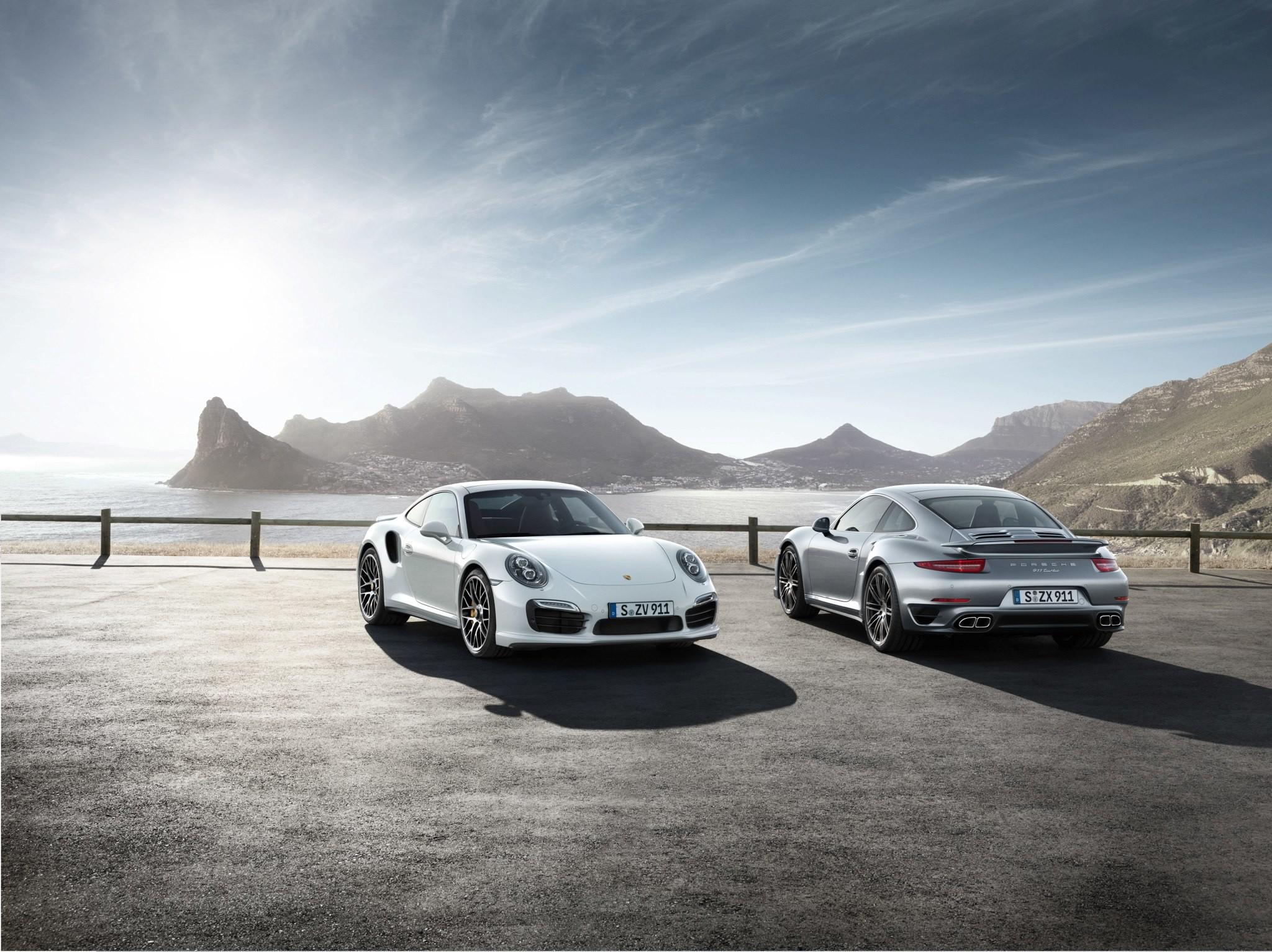 2560x1600 2017 Porsche 911 GTS Targa 4 GTS