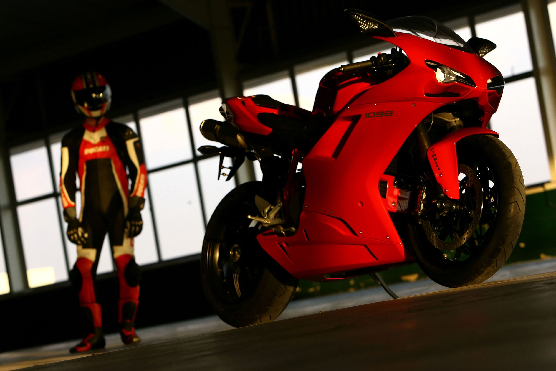 Фото на аву в вк для мотоциклистов