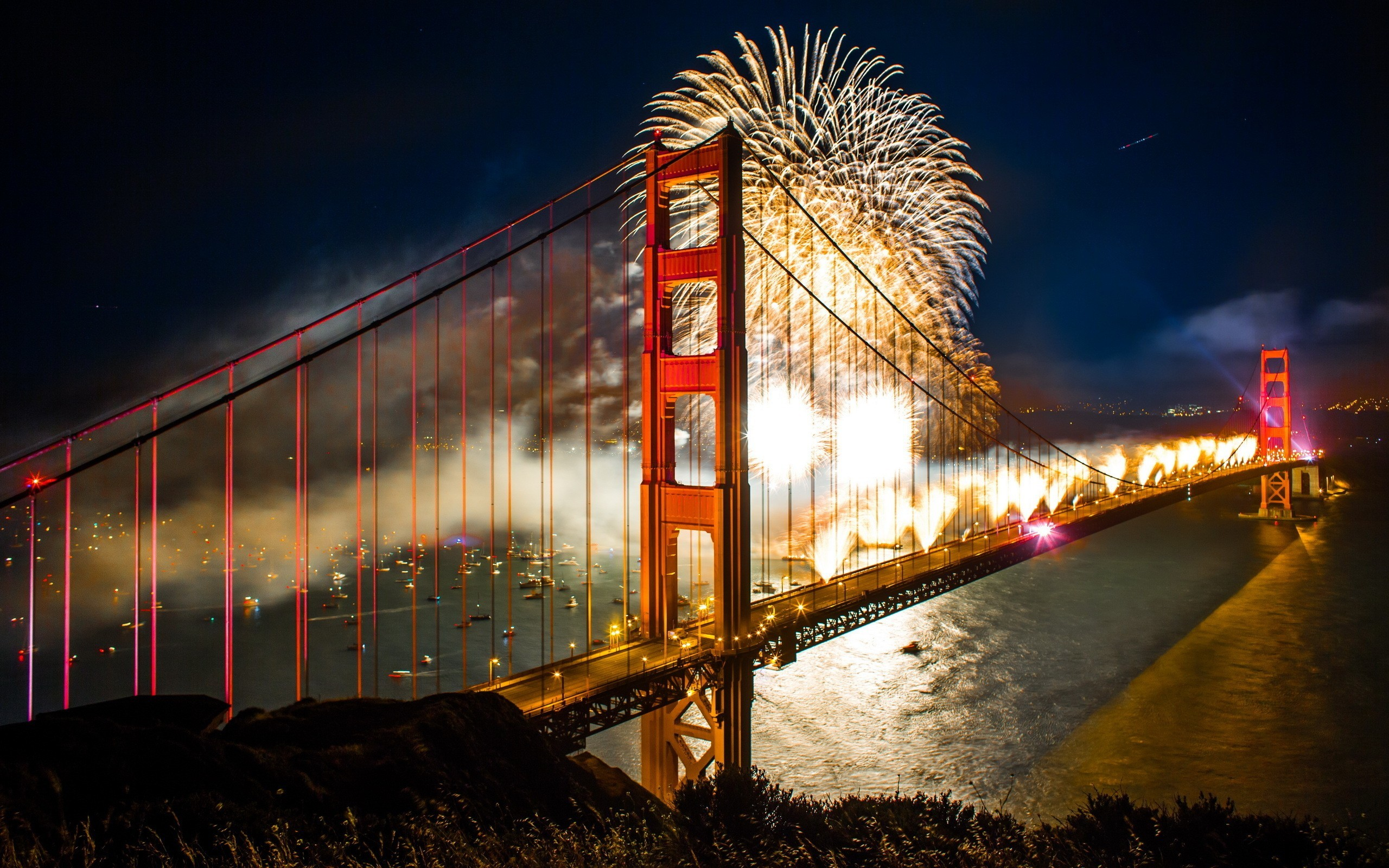 2560x1600 4th of July Celebration Fireworks, Golden Gate Bridge, San Francisco
