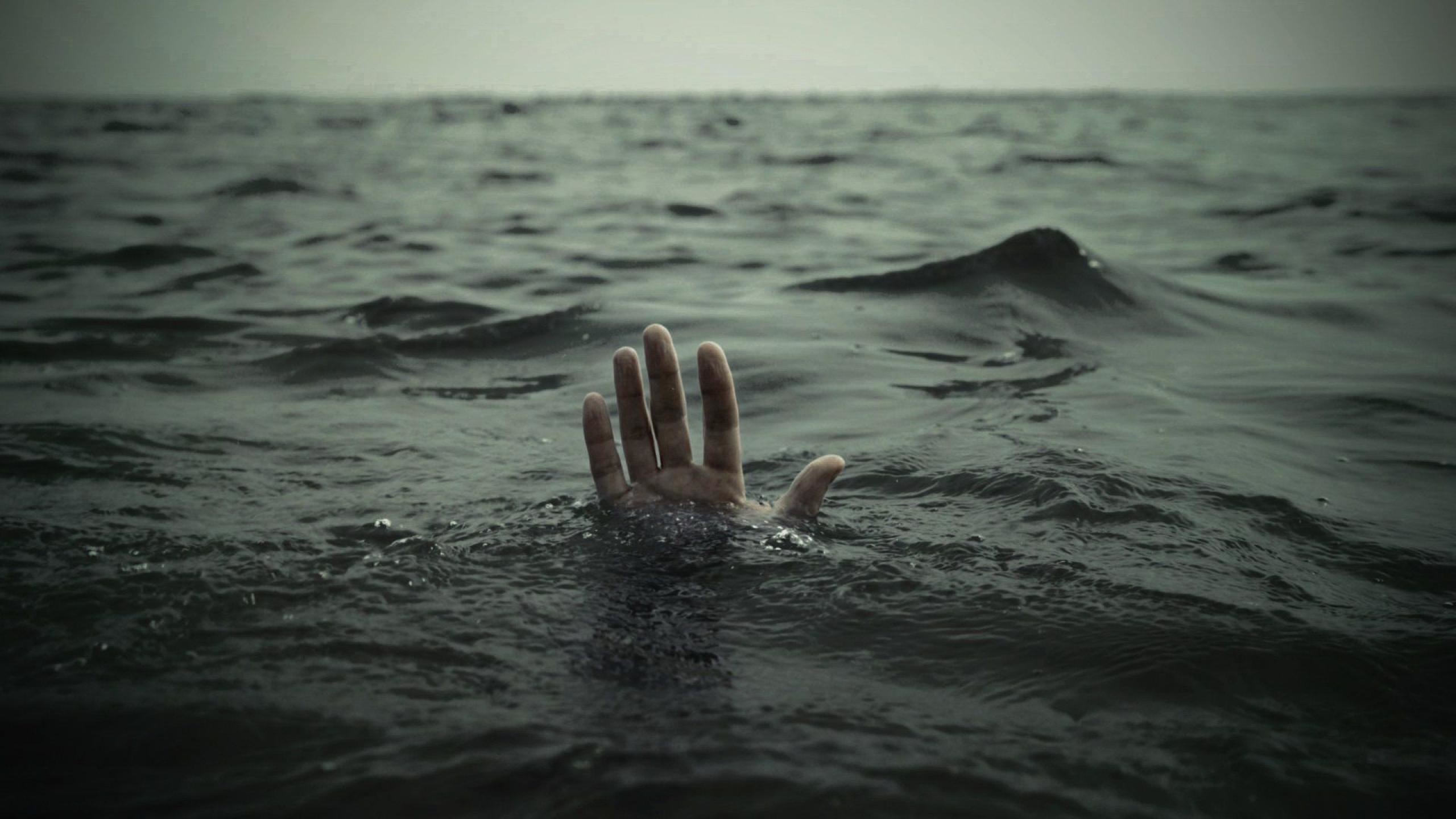 2560x1440 Drowning at sea hand above water HD Wallpaper -  http://www.hdwallpaperuniverse.com/drowning-sea-hand-water-hd-wallpaper/ |  HD Desktop Wallpapers | Pinterest ...