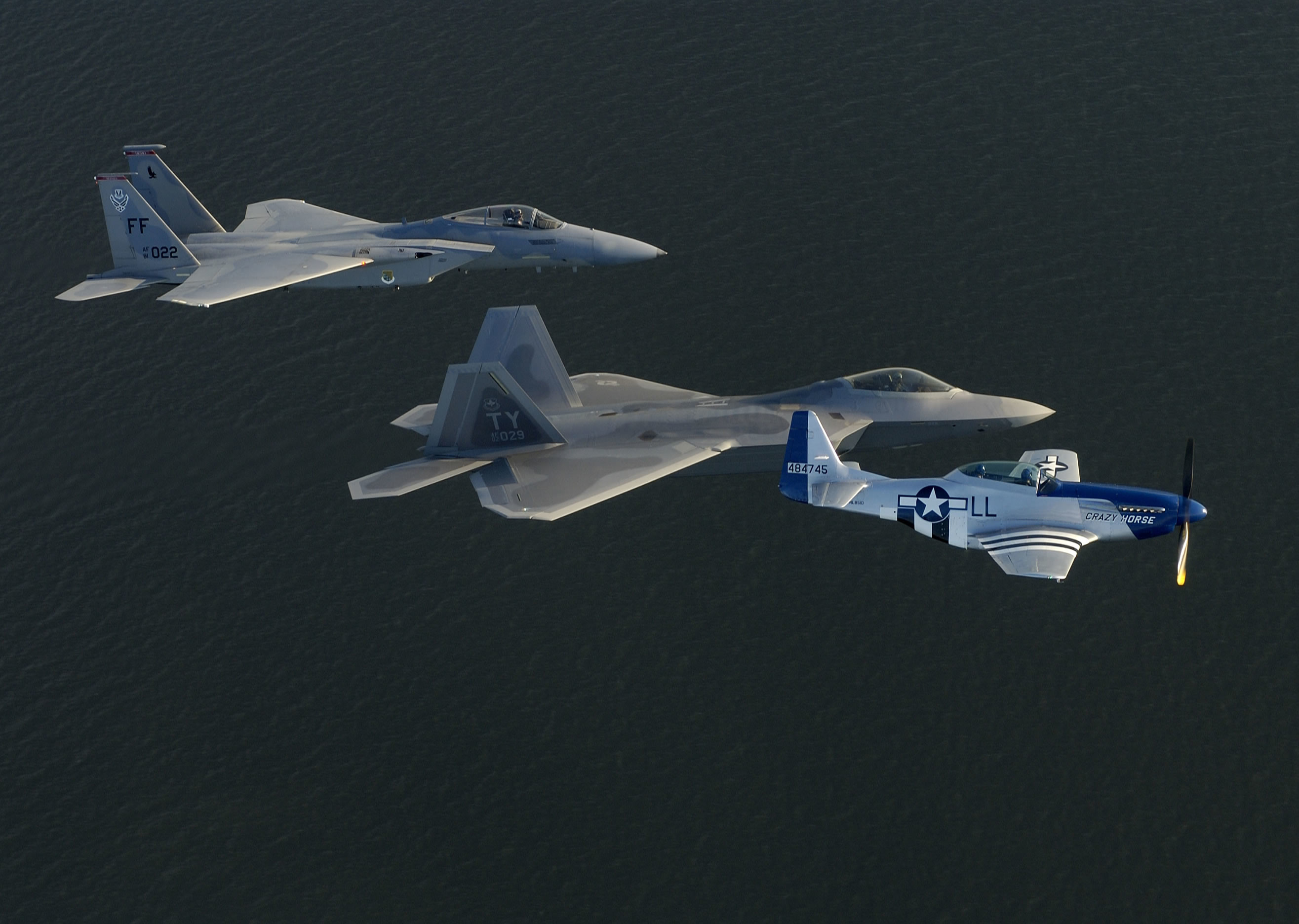 2631x1872 F-15 F-22 P-51 In Flight ...