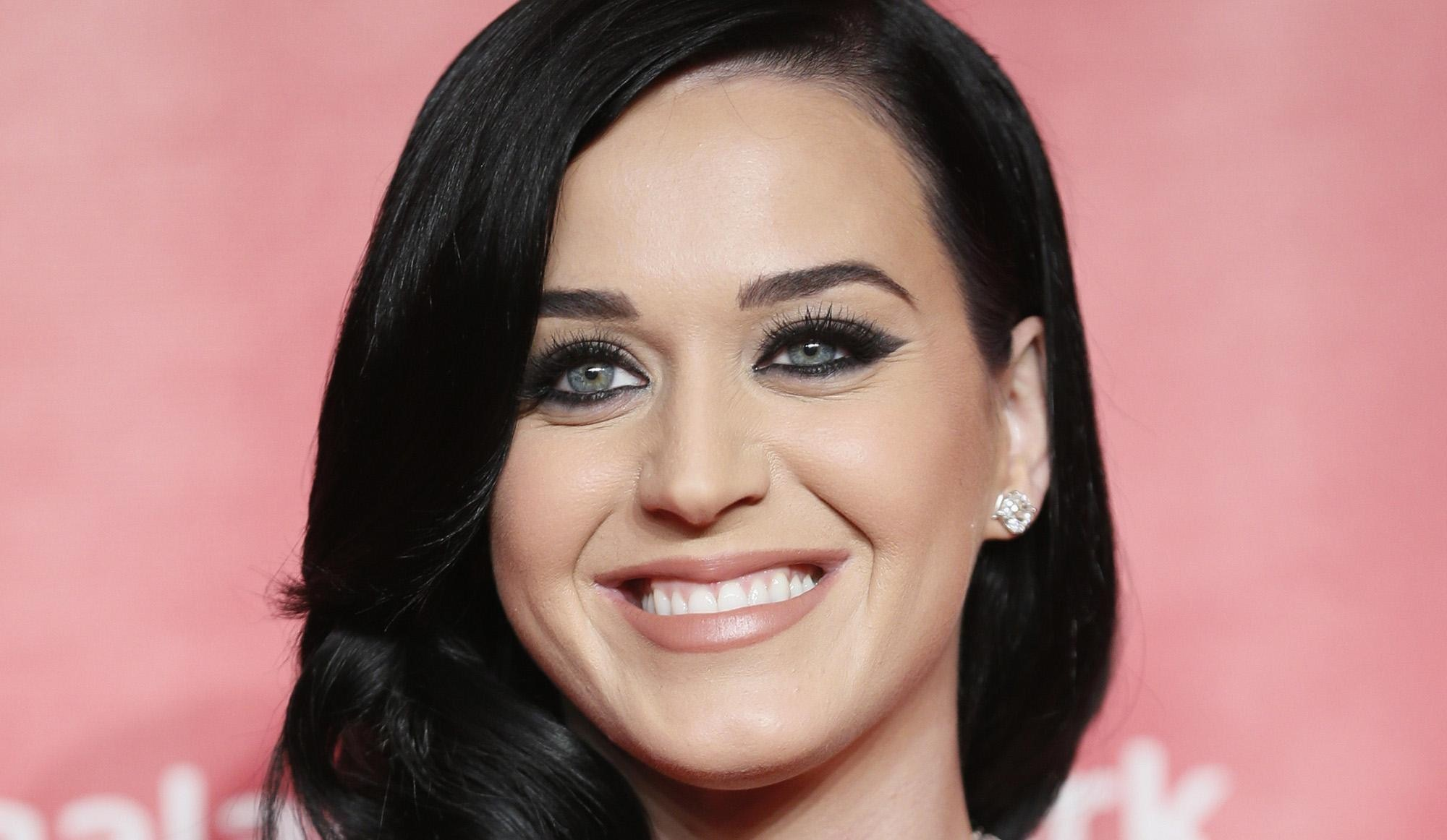 2000x1162 Beautiful Katy perry smile wallpapers