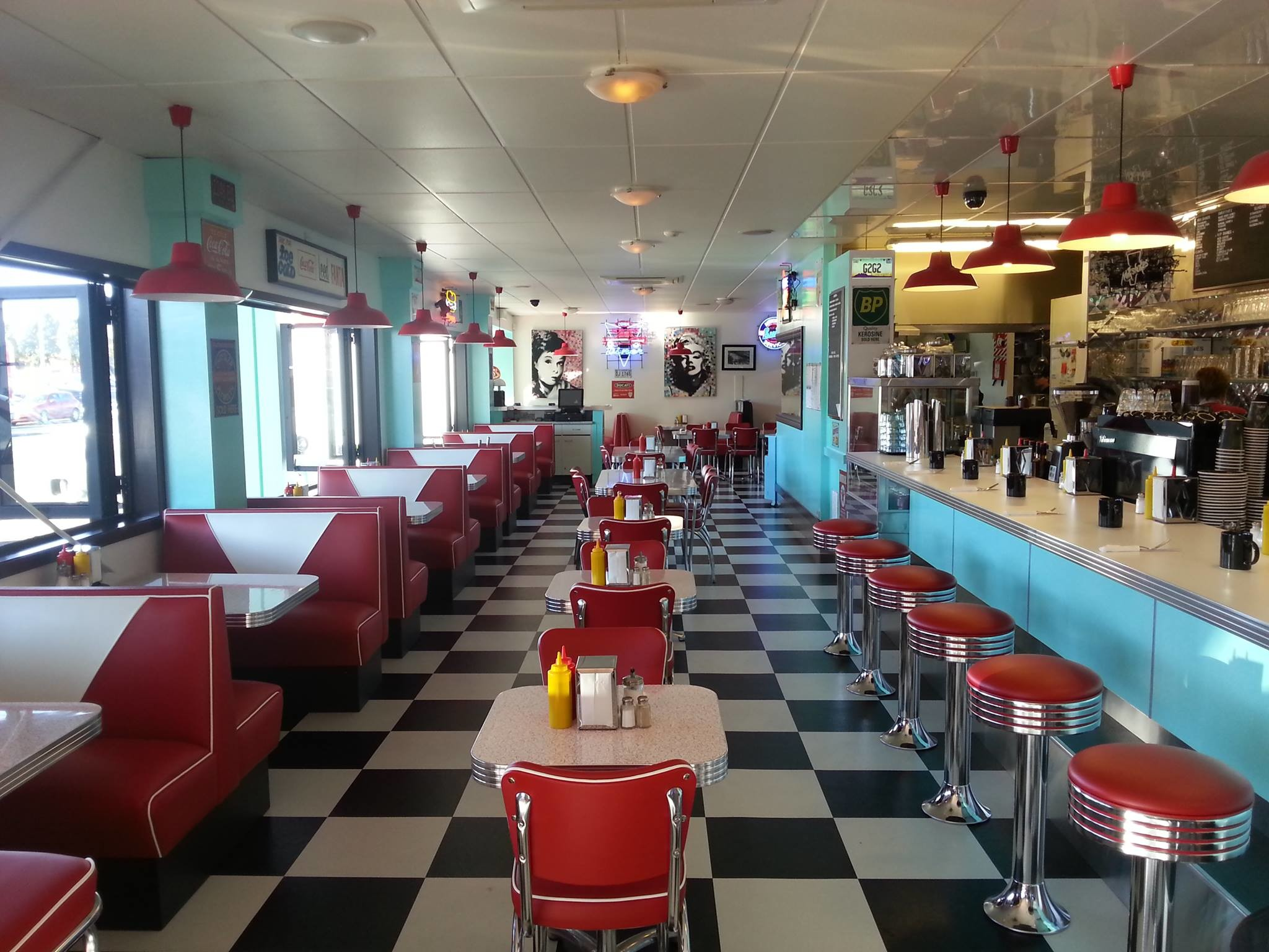 50s diner wallpaper 50 images. Black Bedroom Furniture Sets. Home Design Ideas