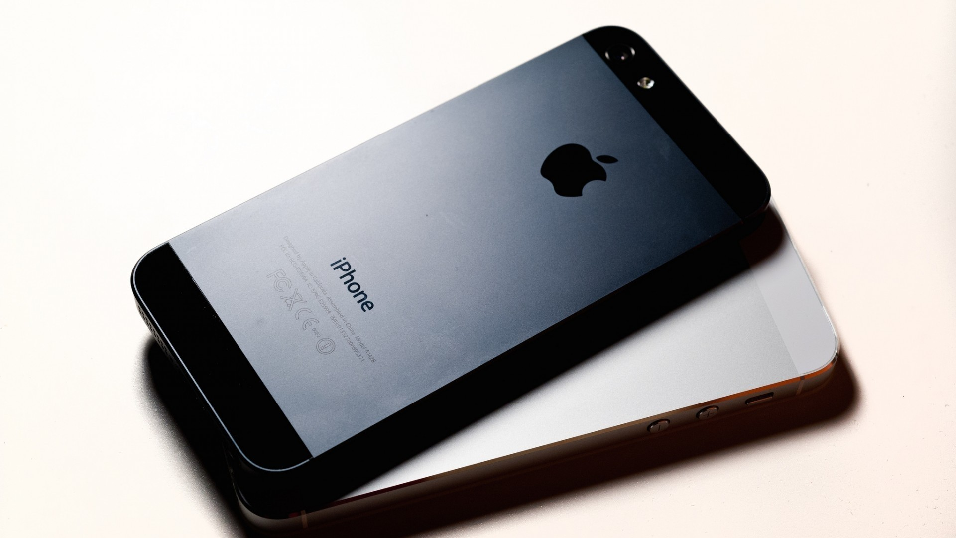 1920x1080 iPhone 5 Rear 1920 x 1080 HDTV 1080p