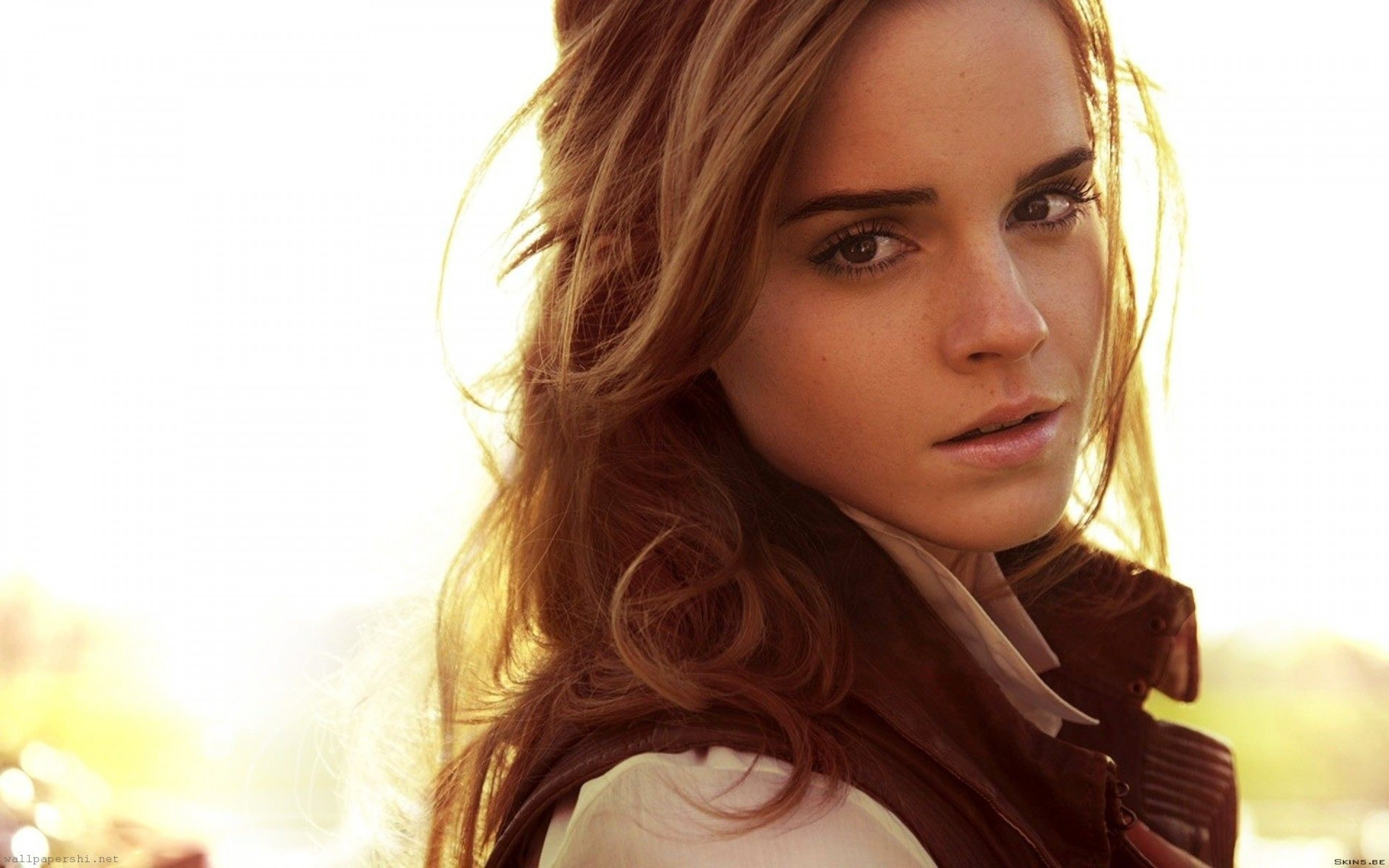 2880x1800 Emma Watson wallpaper high definition