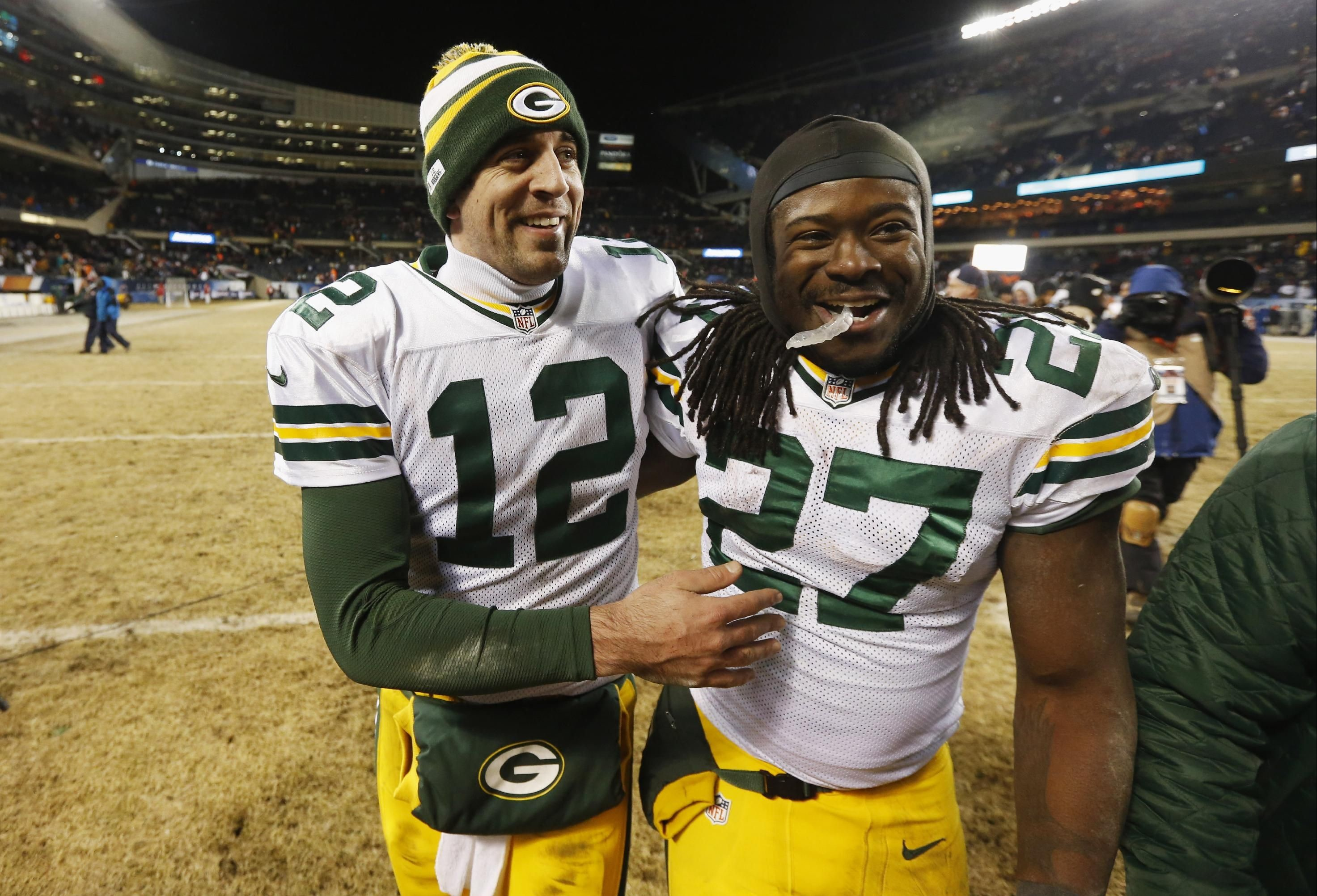 2945x2005 Aaron Rodgers, Eddie Lacy keep Packers balanced in playoff push