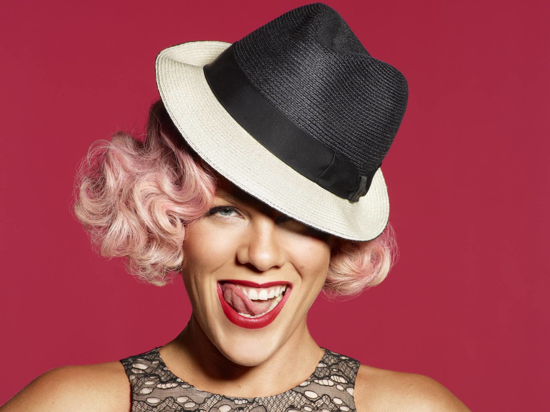 1920x1440 Pink The Singer Wallpaper 57408 Wallpaper - Res: 1024x768 - pink .