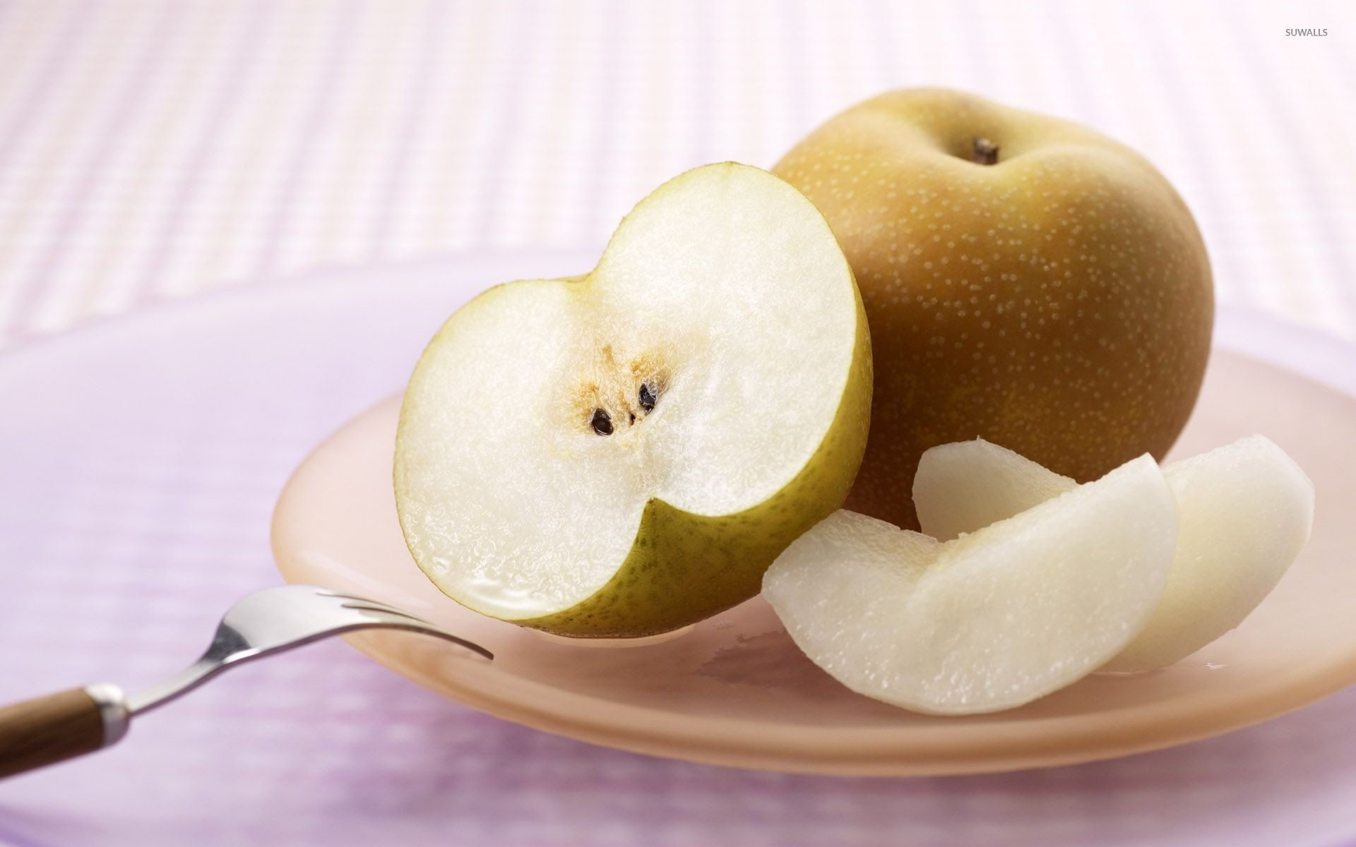 1920x1200 Nashi pear on a table wallpaper