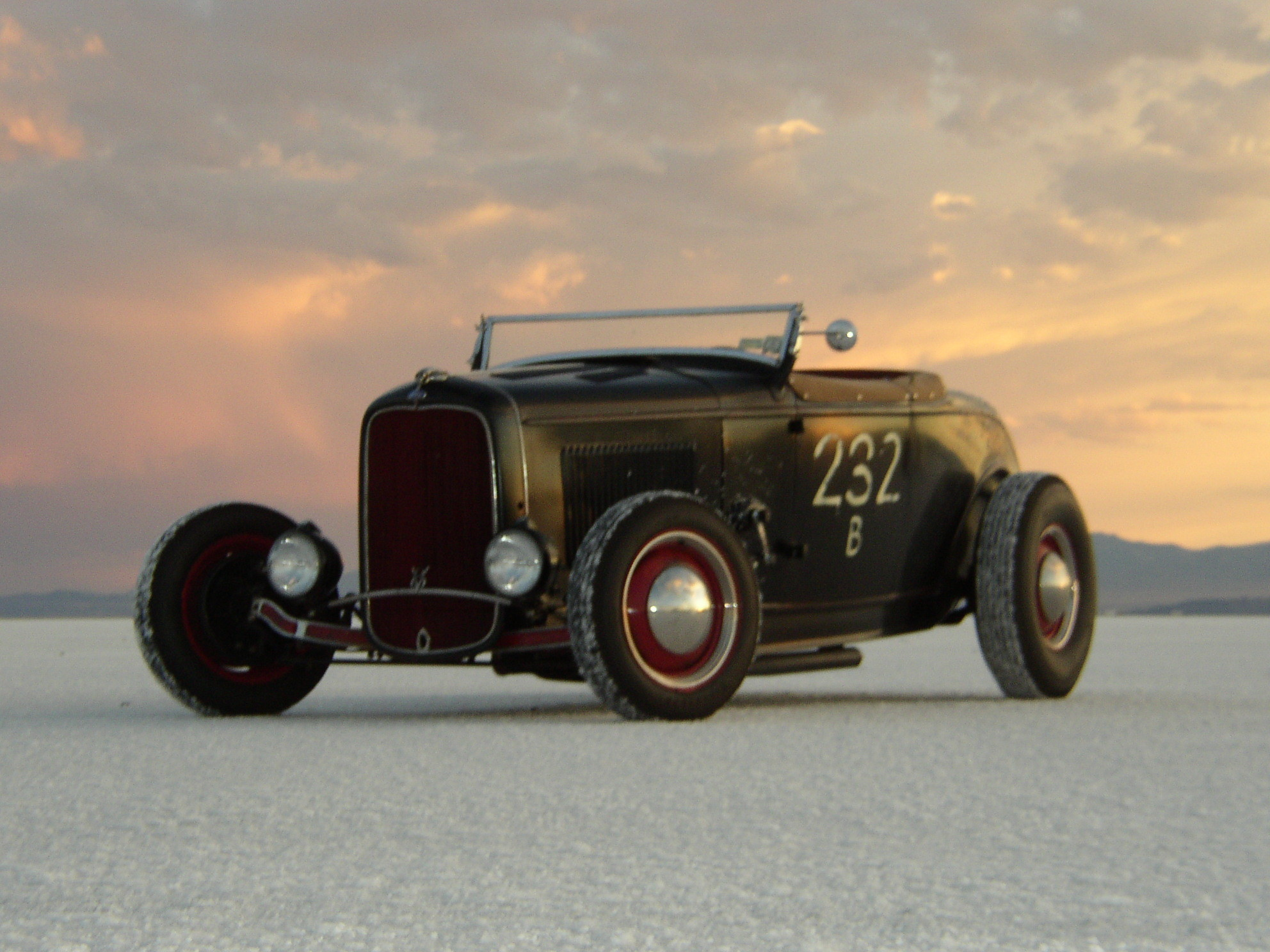 1984x1488 hot rod on salt flats