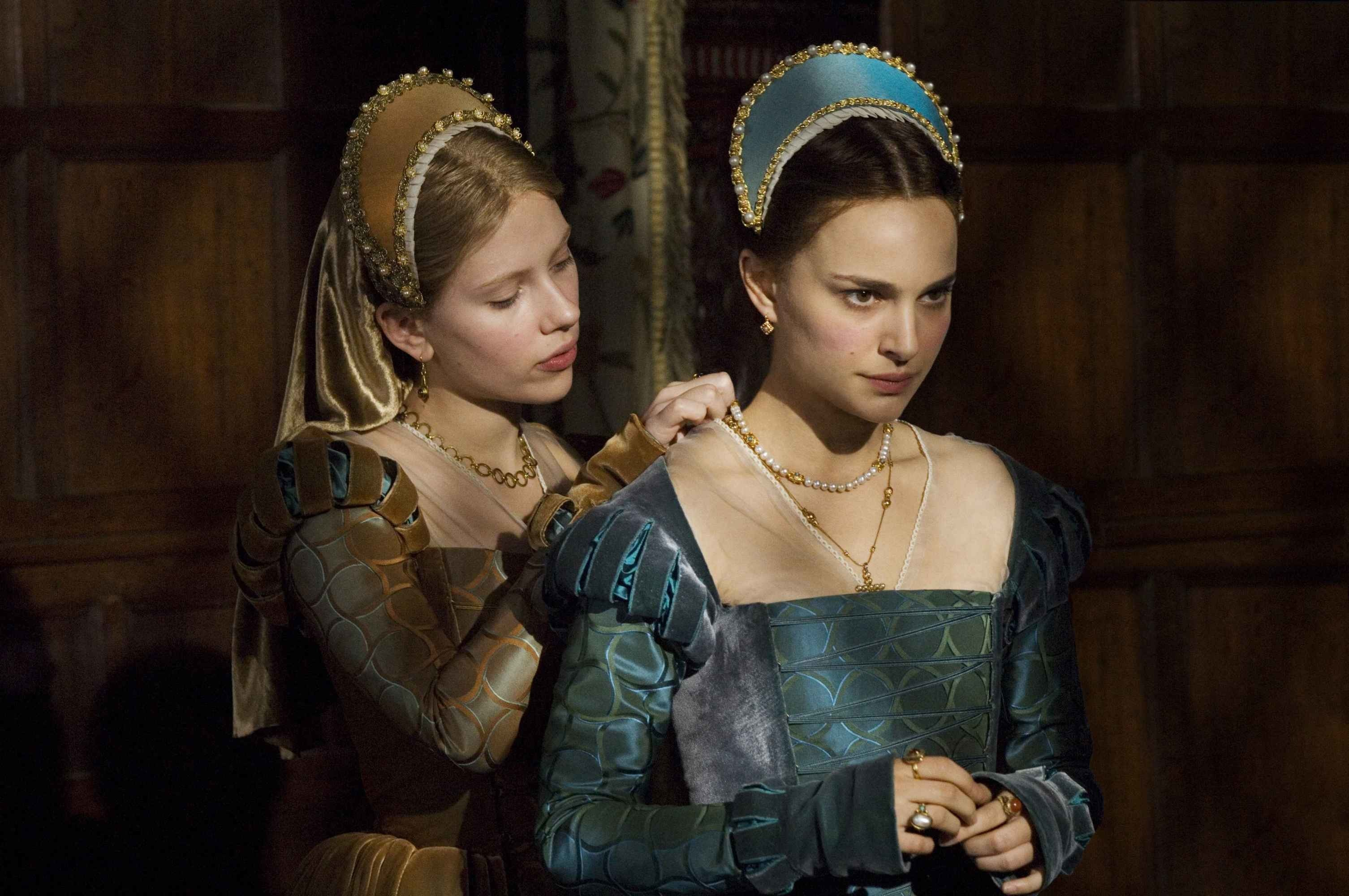 3011x2000  Jonathan Rhys-Meyers as King Henry the Eighth and Natalie Dormer  as Anne Boleyn in The Tudors. Natalie Dormer as Anne Boleyn in The T.