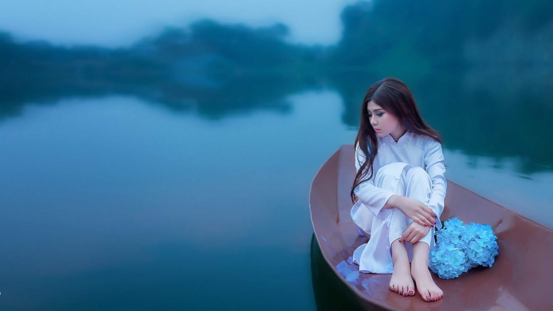woman on boats wallpaper (64+ images)