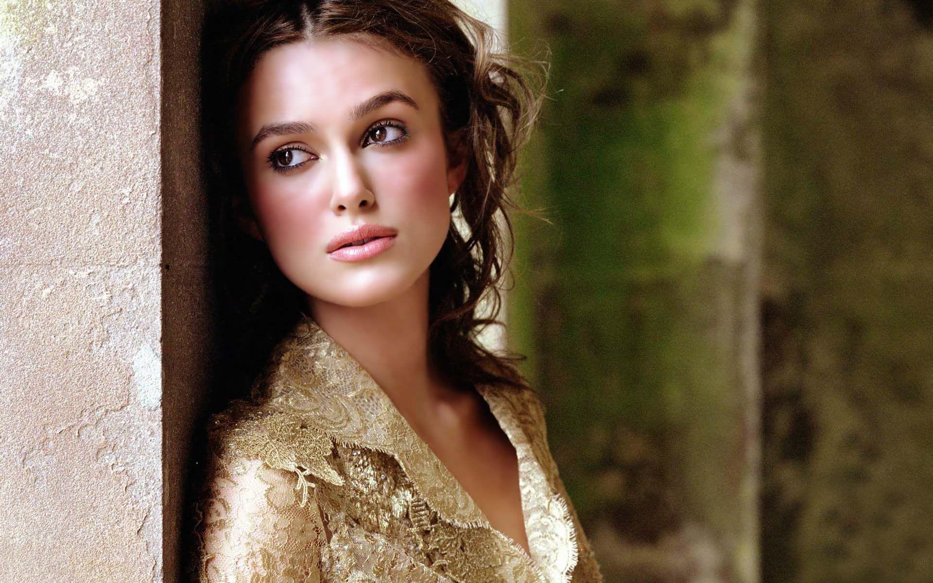 Full HD Wallpaper keira knightley brown eyes closeup face actress