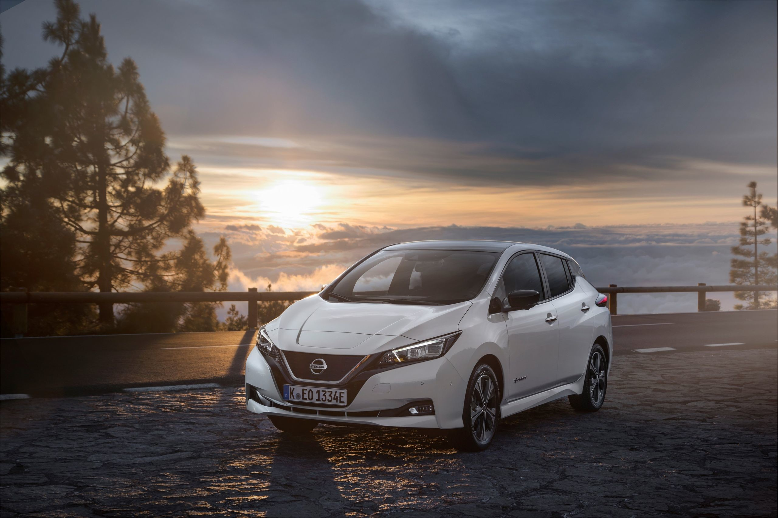 2560x1706 Wallpaper Wednesday: 2018 Nissan LEAF – Top 15 Images