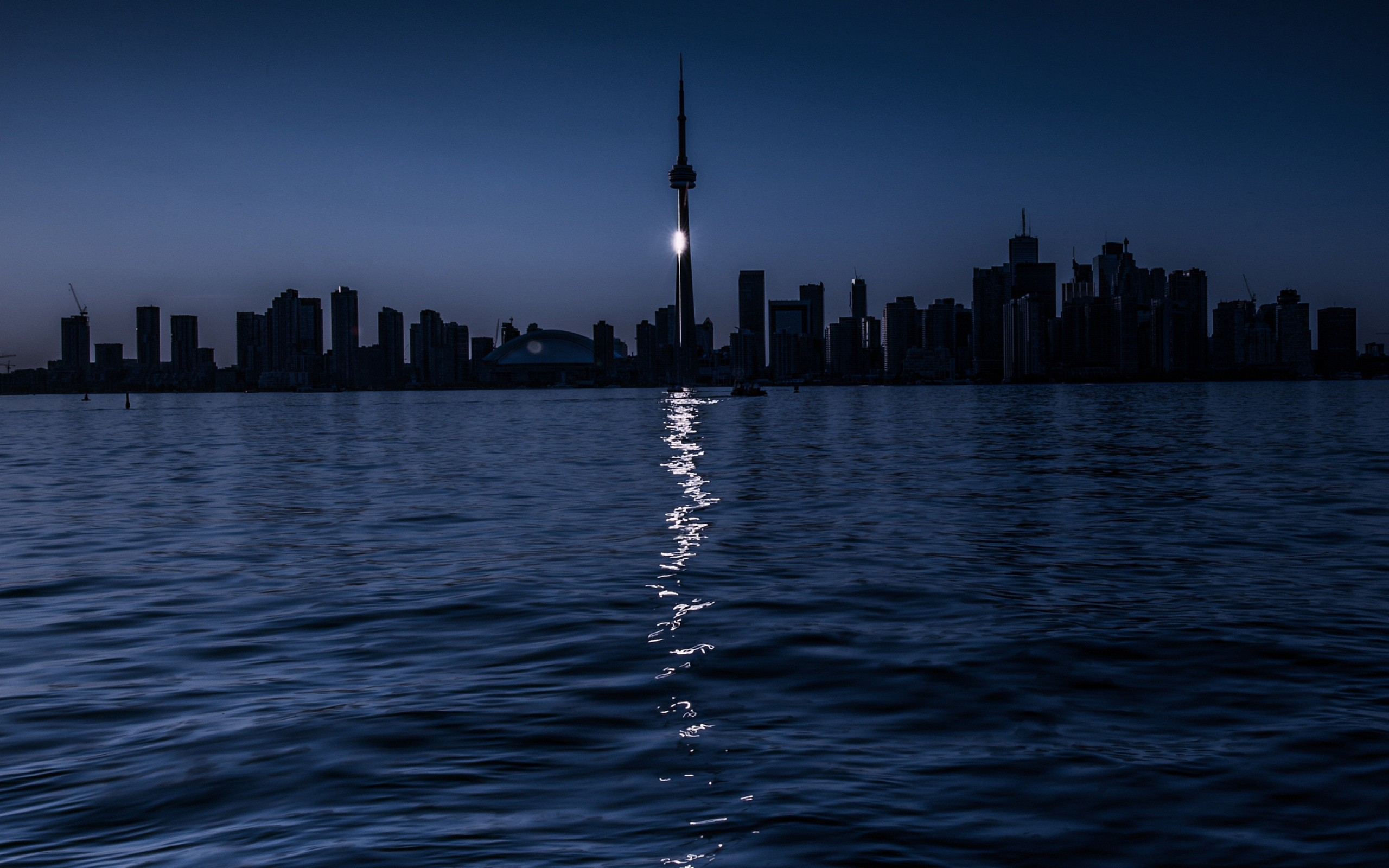 2560x1600  Wallpaper toronto, night, lake, moonlit path