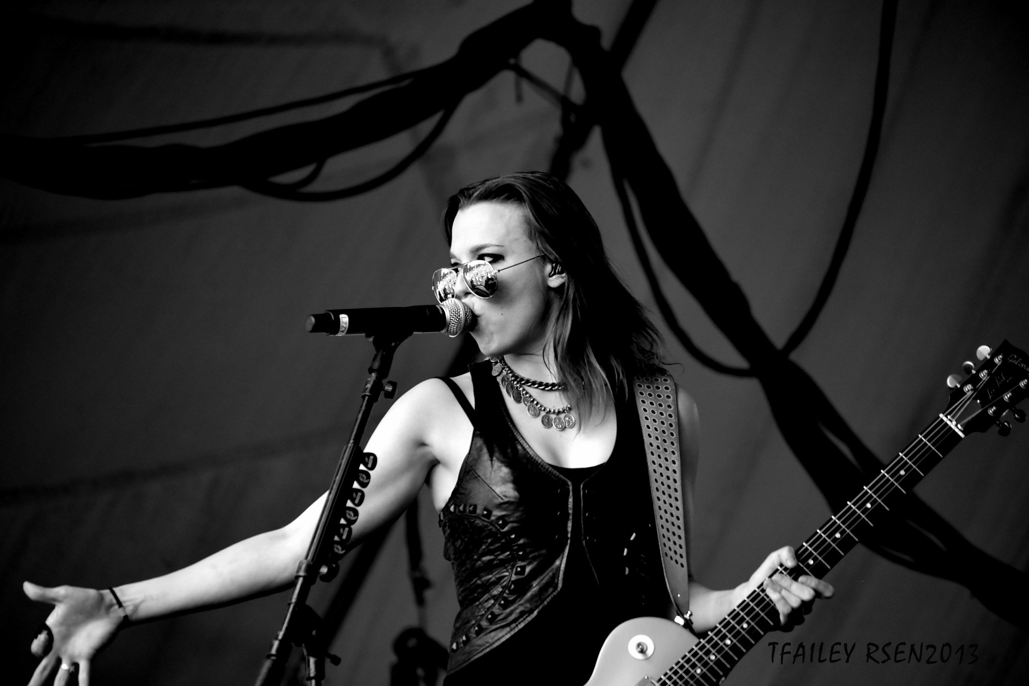 2100x1400 Lzzy Hale | Favorite Bands/Artists | Pinterest | Lzzy hale, Halestorm and  Musicians