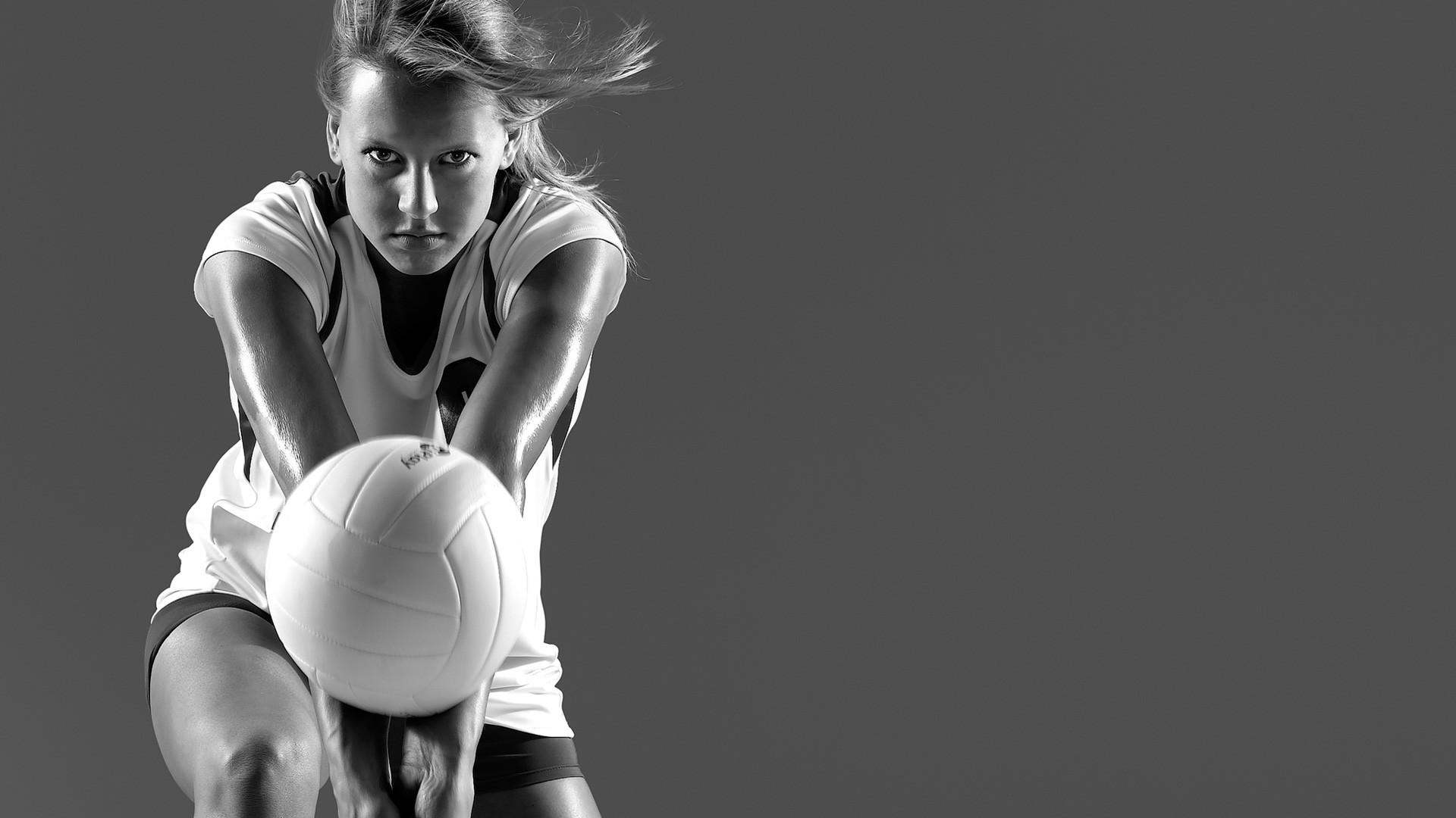 1920x1080 B/W photos of woman's volleyball player