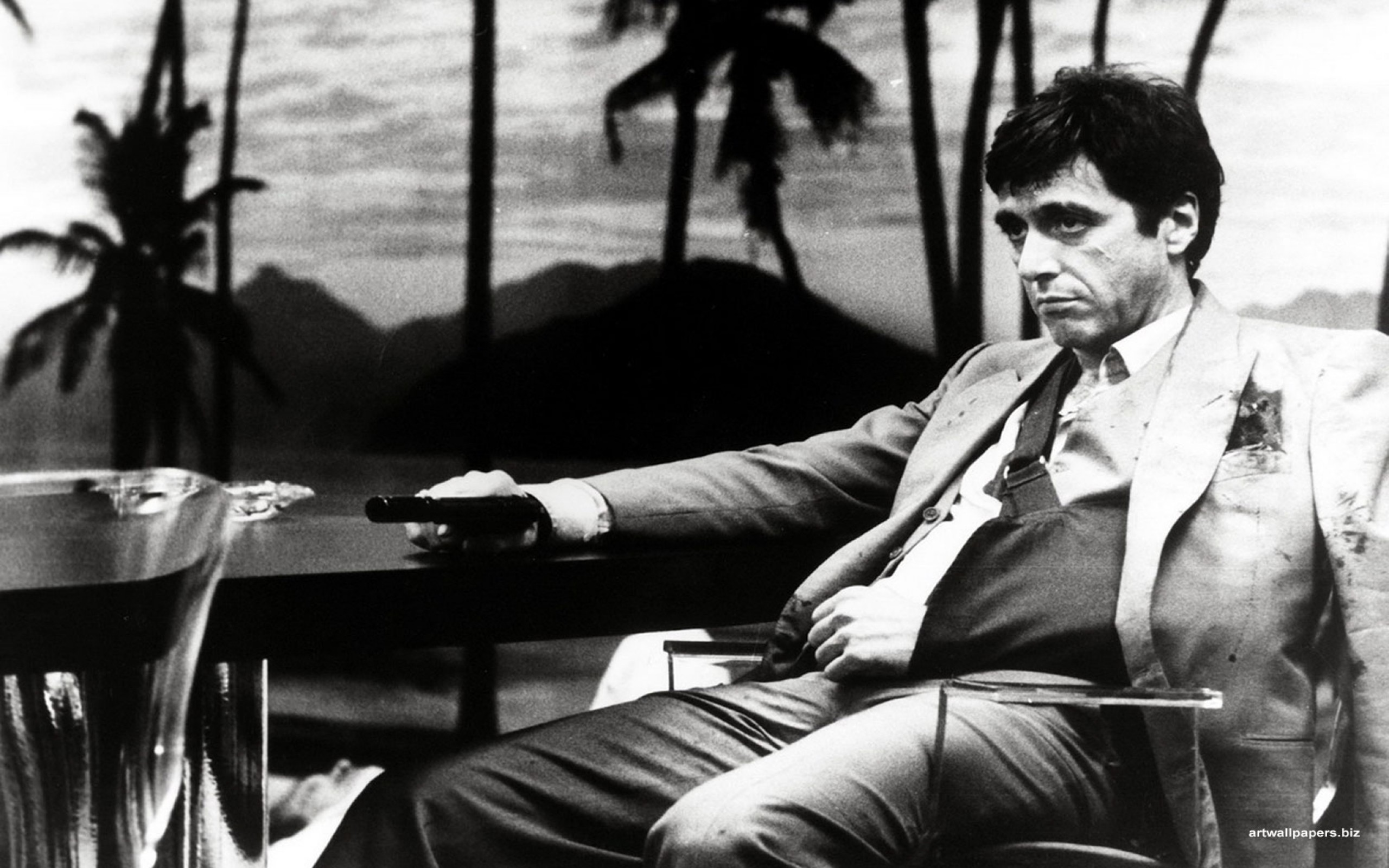 2560x1600 Al Pacino in Scarface directed by Brian De Palma, 1983