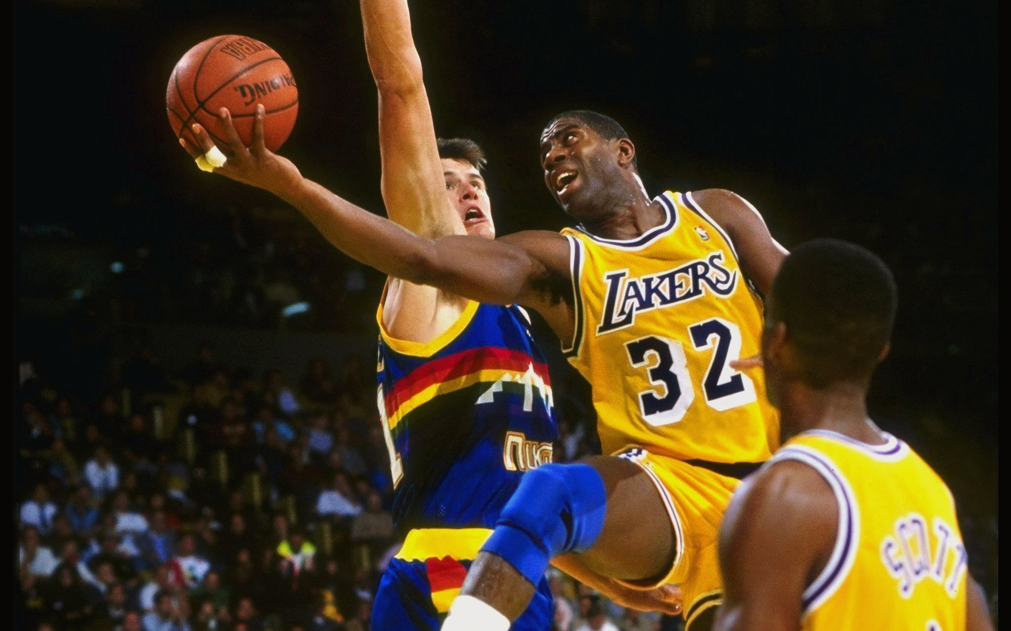 2048x1280 Magic Johnson download