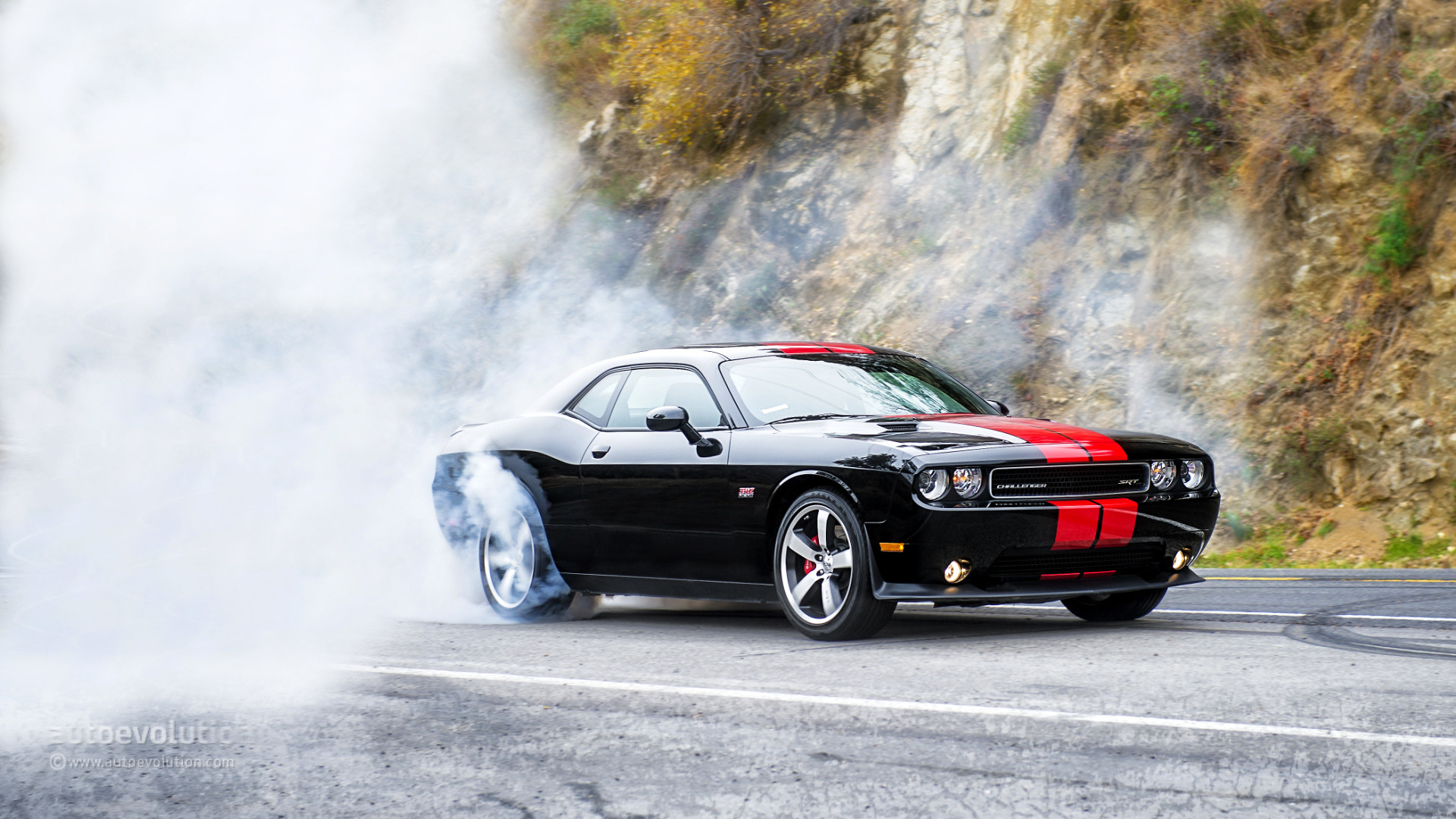 1920x1080 2015 Dodge Challenger Burnout Free Download Wallpaper - HD Wallpaper