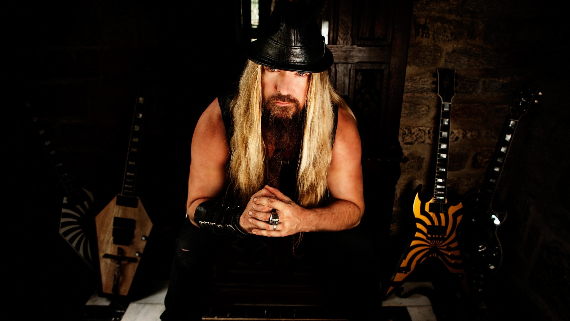 1920x1080  Wallpaper zakk wylde, guitars, hair, bracelet, room
