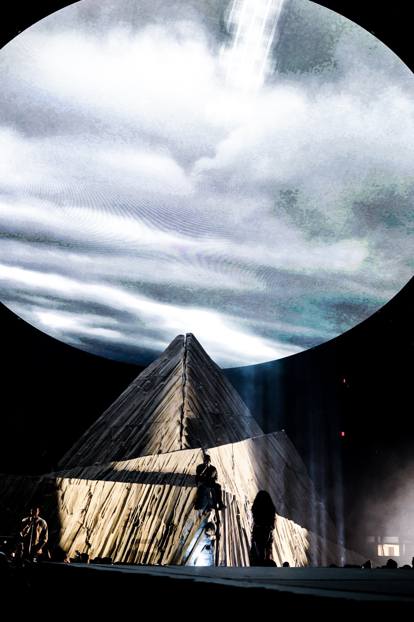 1365x2048 HD YEEZUS Tour Wallpapers (Desktop & Phone) [UPDATED!!] Â« Kanye
