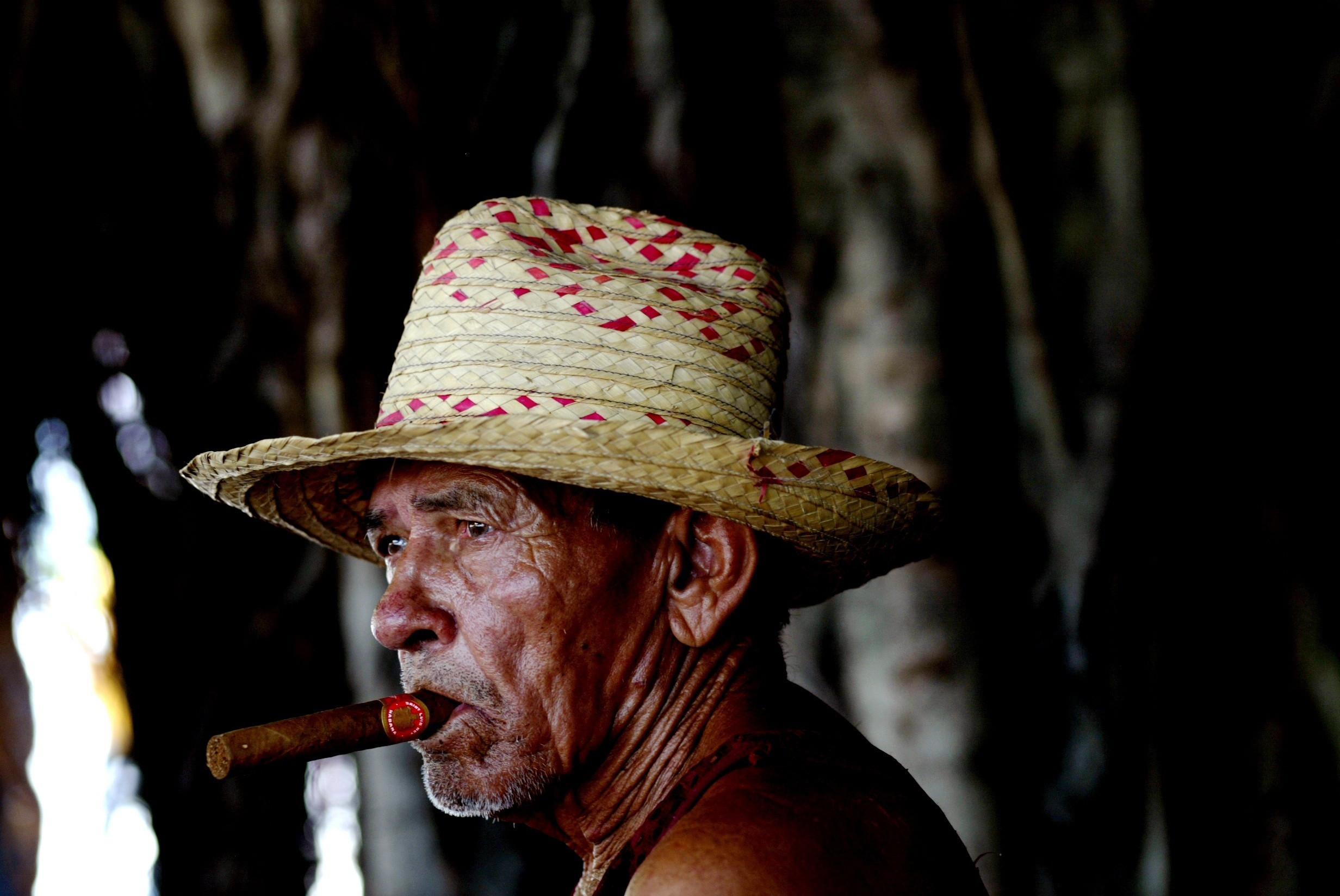 2464x1648 Indians, portrait, old man, hat, cigar, photography, hd, wallpaper